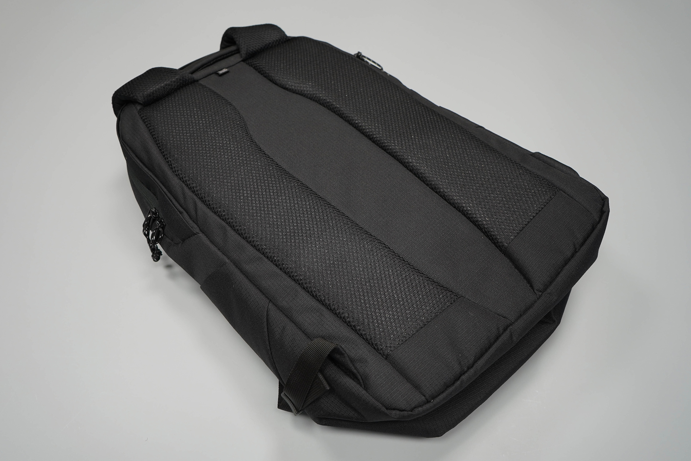 Ogio Shadow Flux 420 Backpack Back Panel
