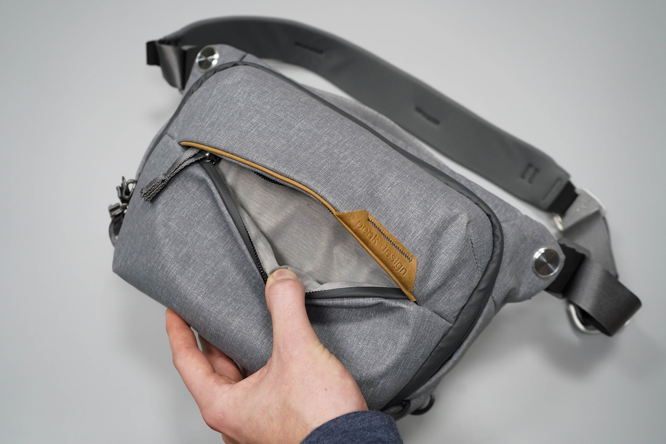 Peak Design Everyday Sling 3L V2 Front Pocket
