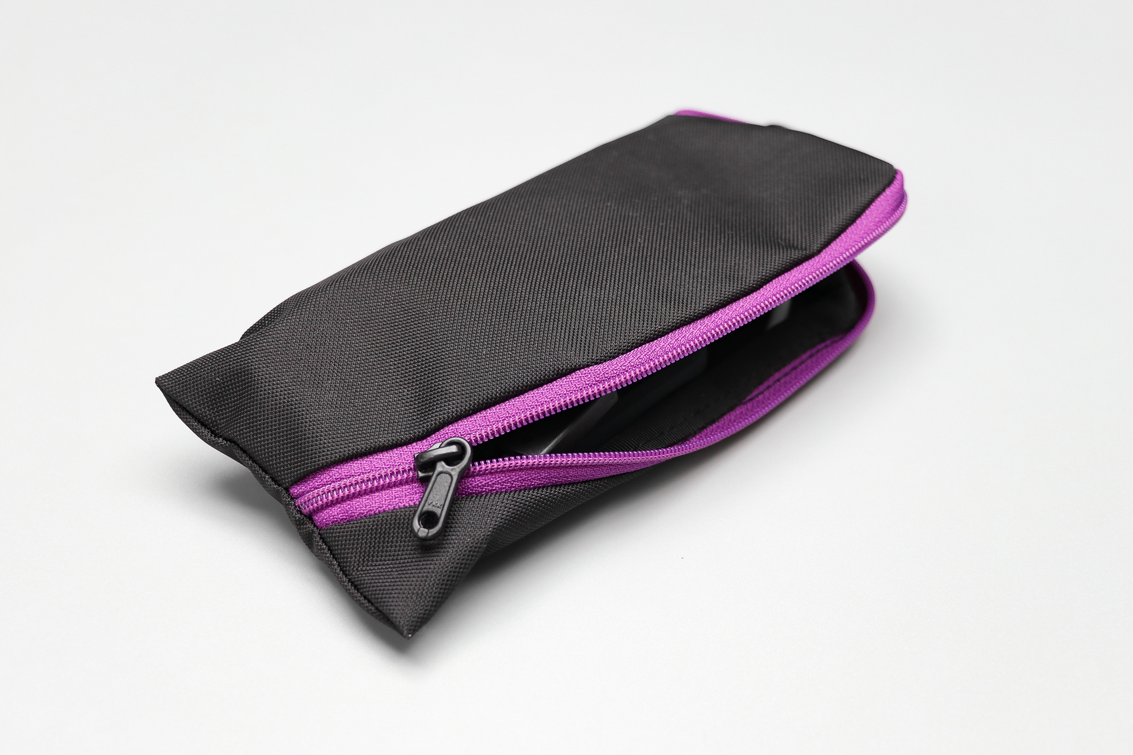 Tom Bihn Ghost Whale Pouches Color Zipper