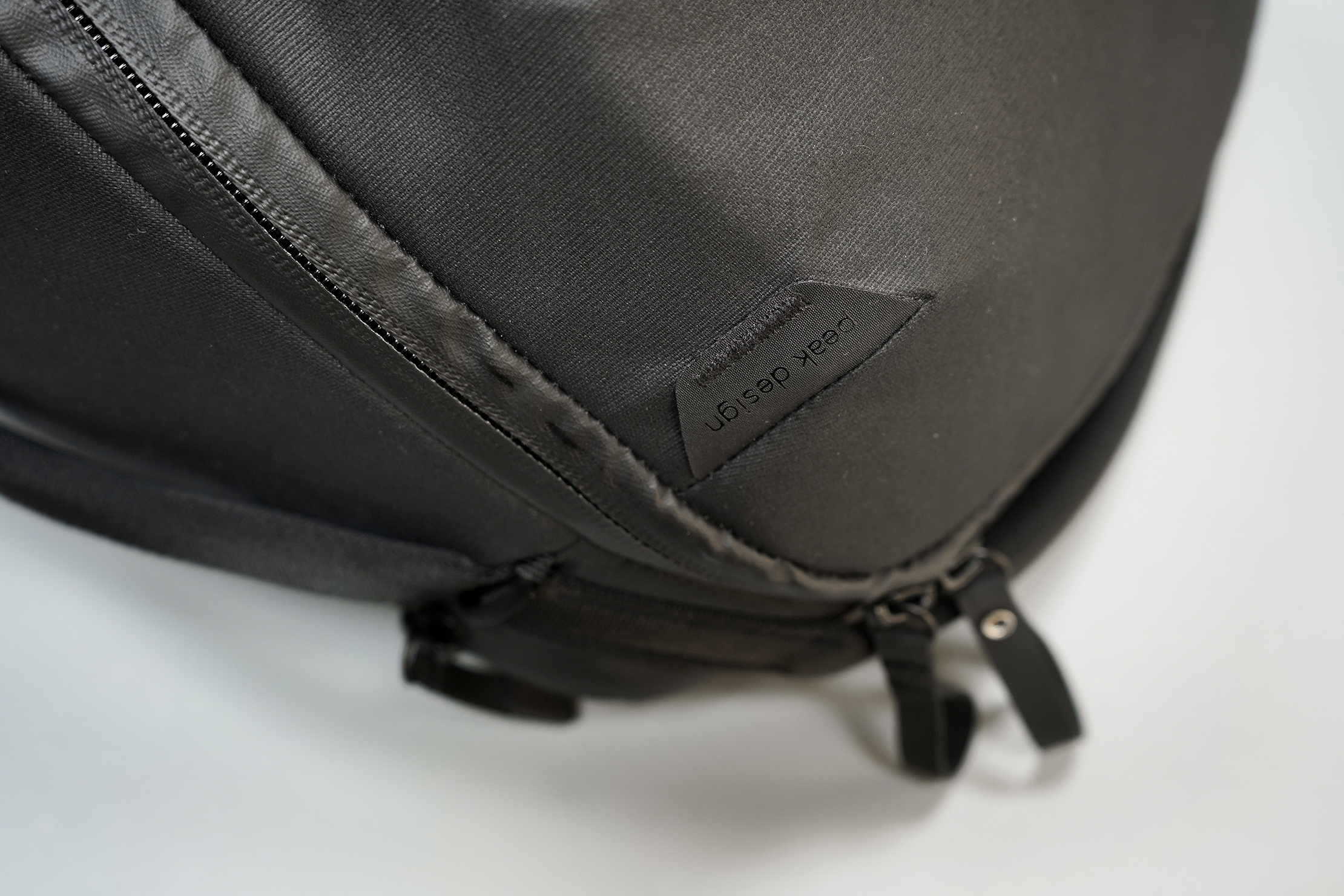 Peak Design Everyday Backpack Zip 20L Logo