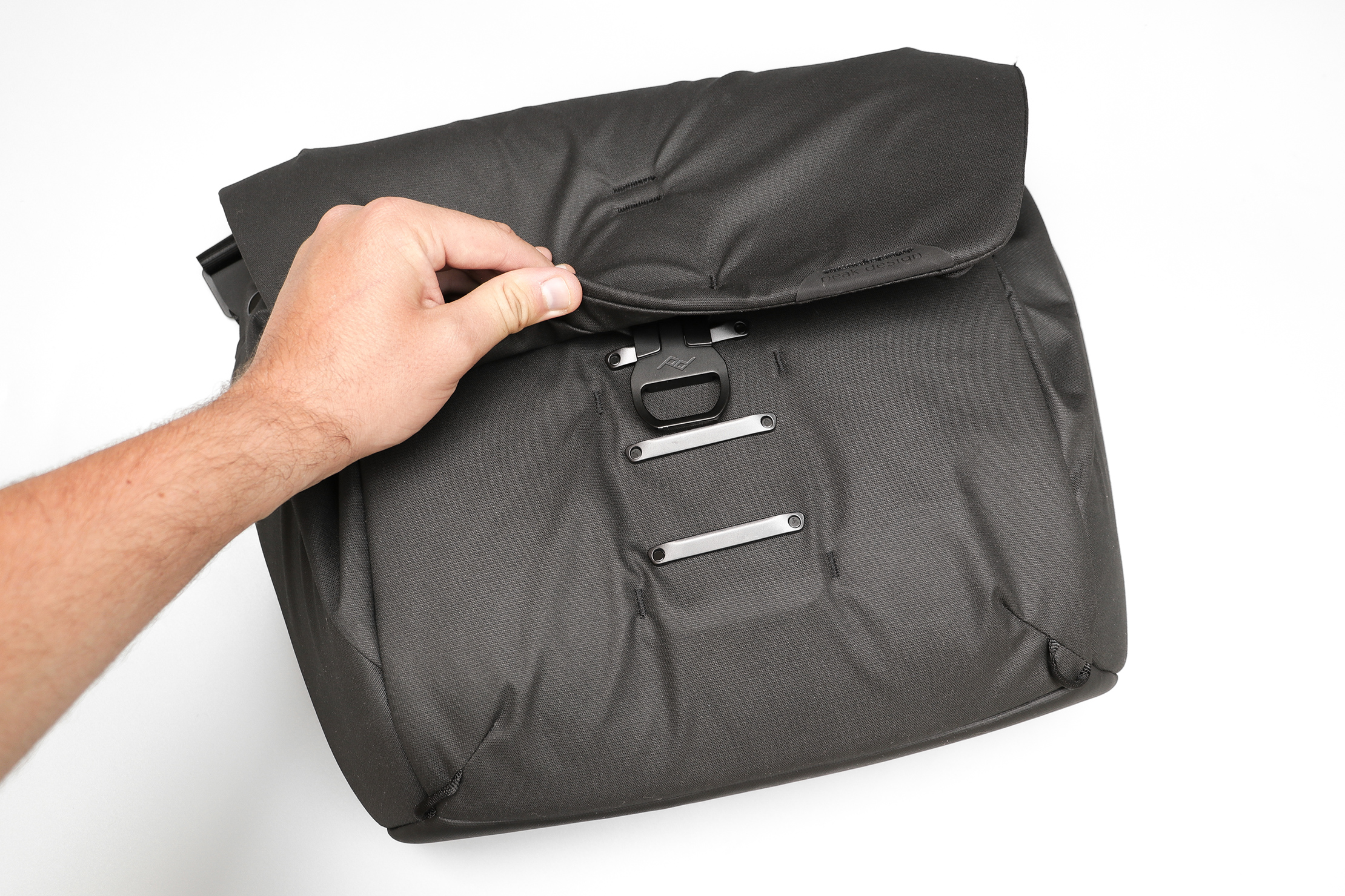 Peak Design Everyday Messenger 13L V2 MagLatch