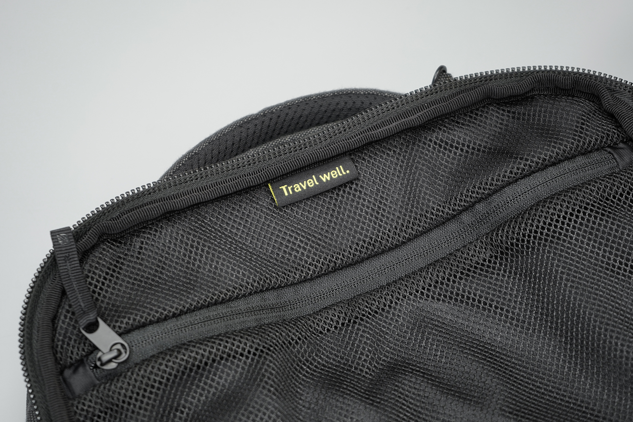 "Incase EO Travel Backpack ""Travel Well"" Tag"