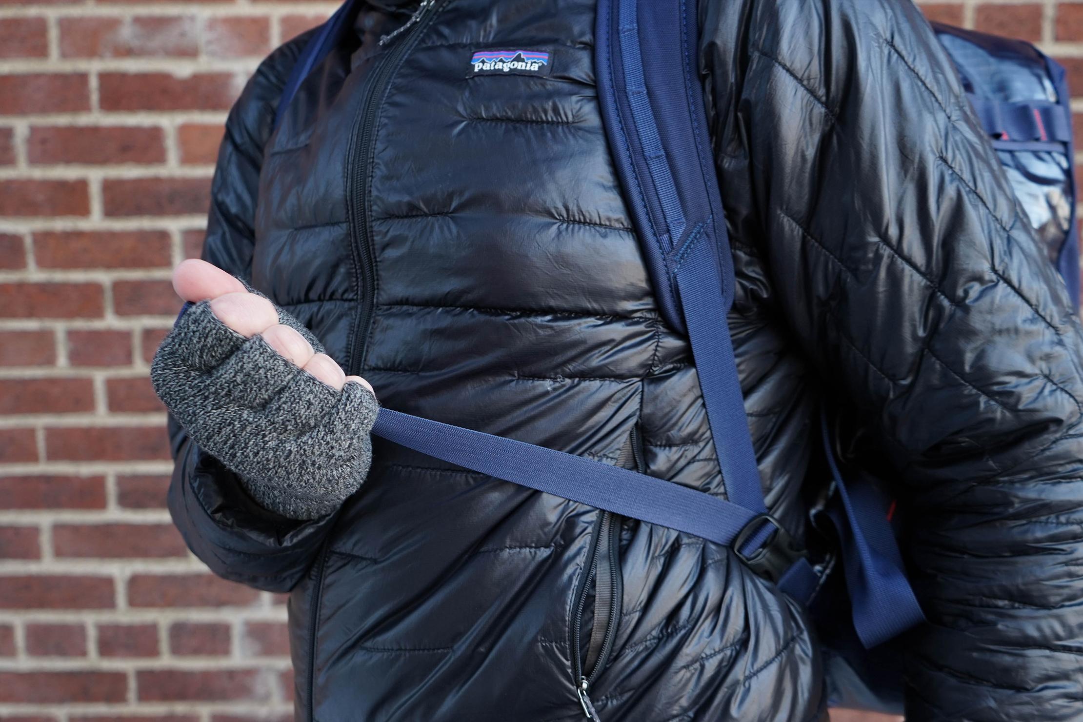 Patagonia Black Hole Duffel Bag 40L Shoulder Strap Adjustment