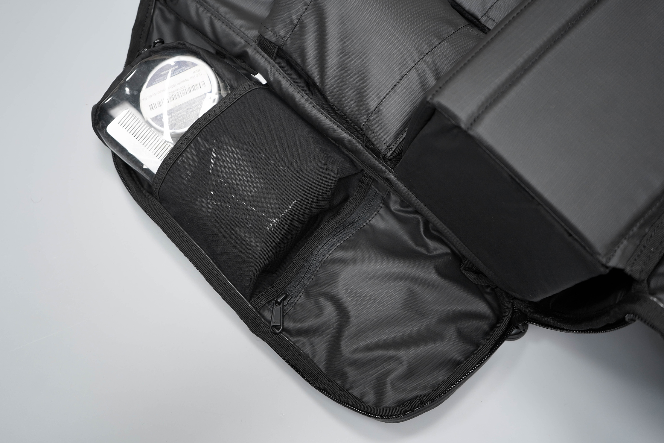 WANDRD DUO Daypack Left Side Flap Organization