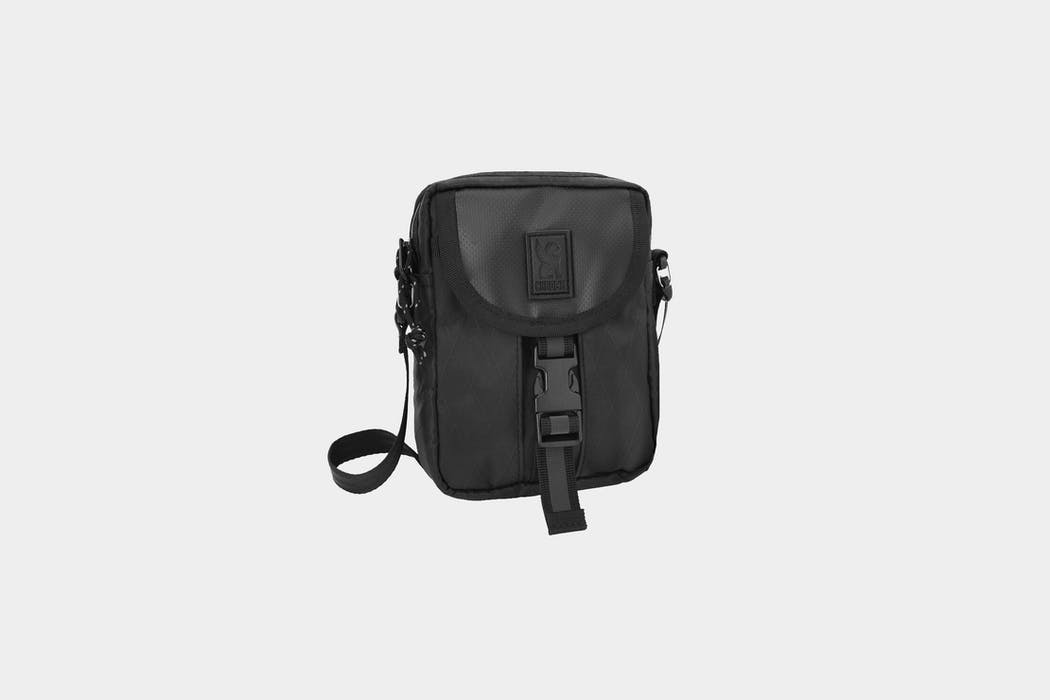 Chrome Industries BLCKCHRM 22X Shoulder Pouch