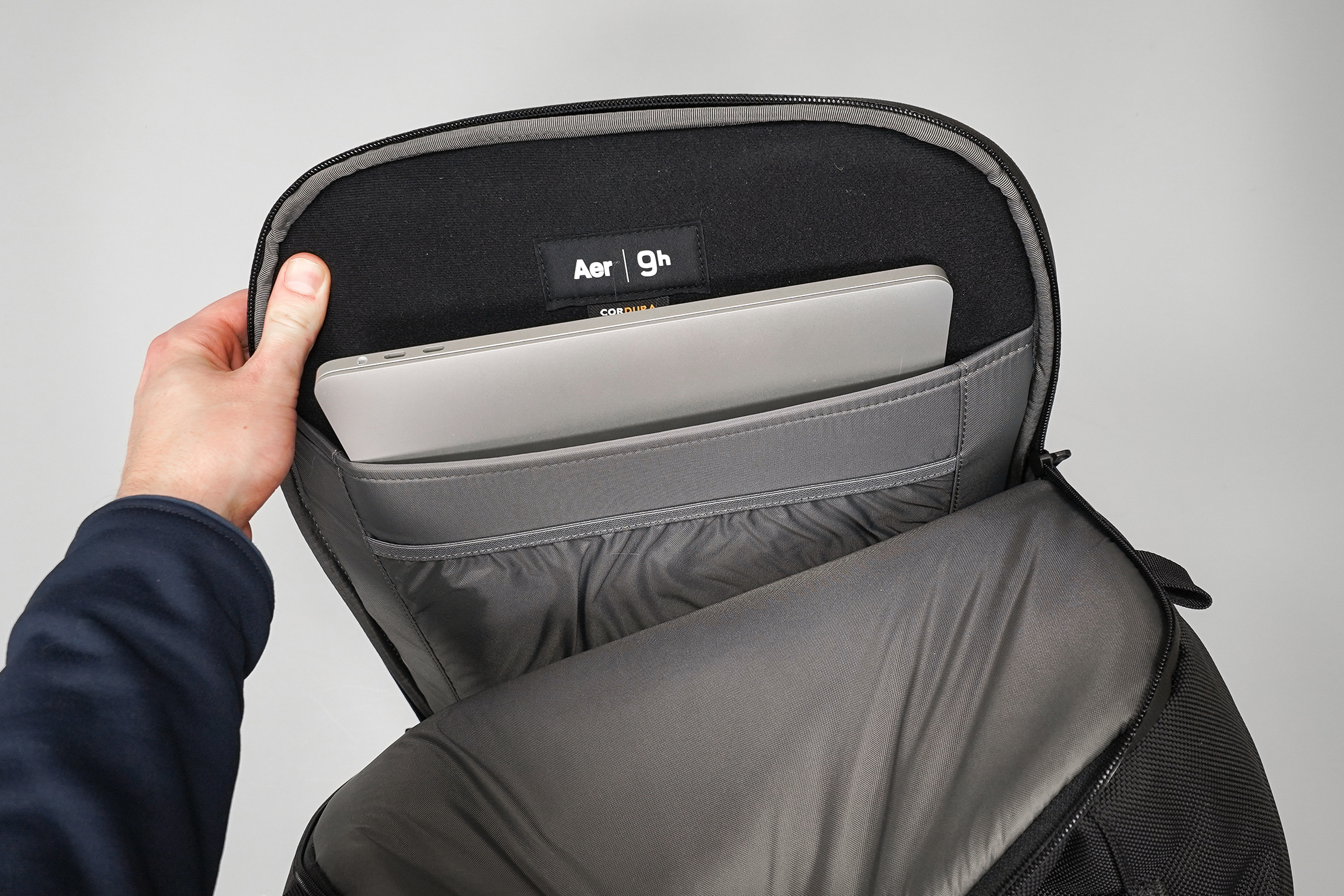 Aer Capsule Pack Max Laptop Compartment