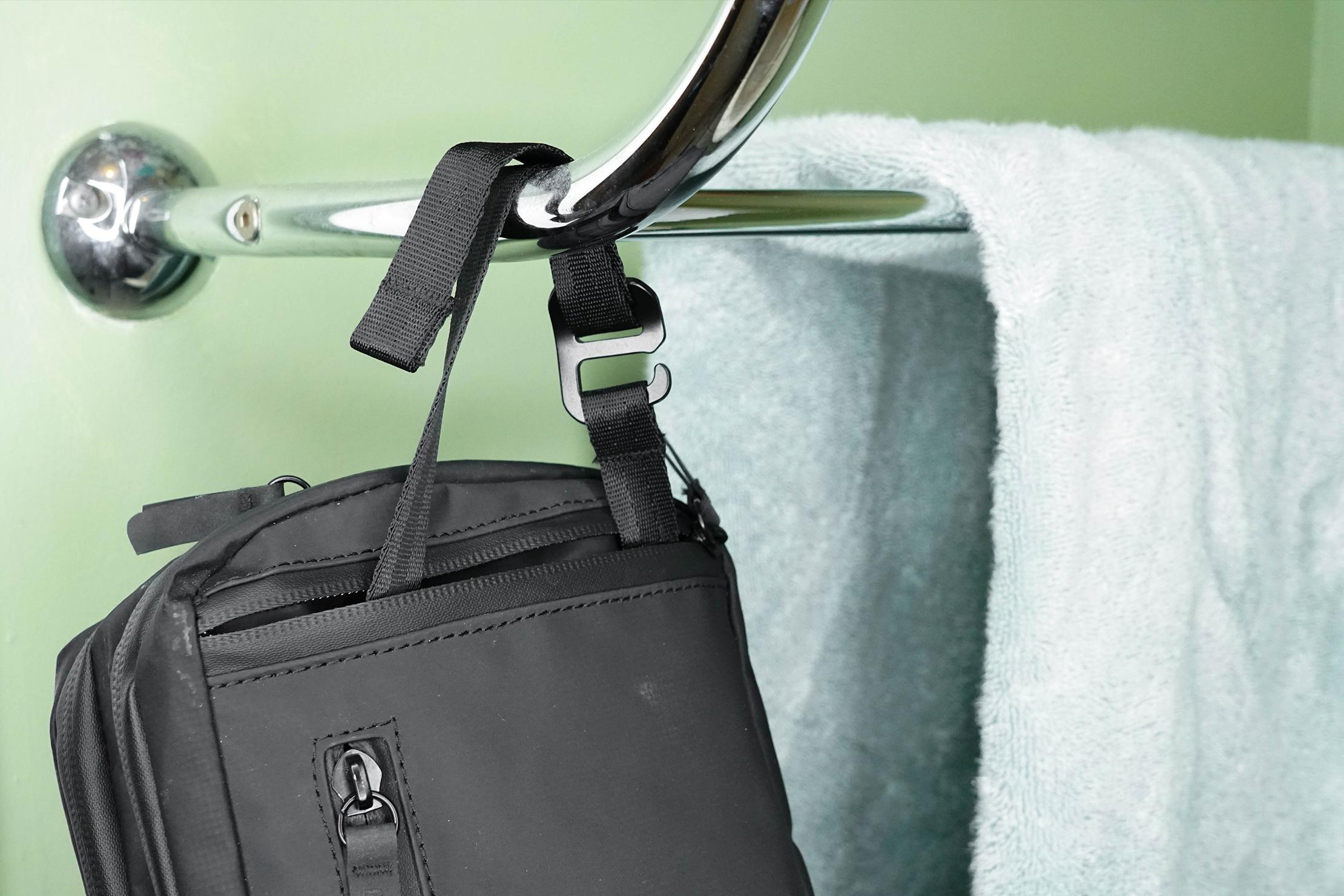 Gravel Explorer Plus Toiletry Bag Hanging