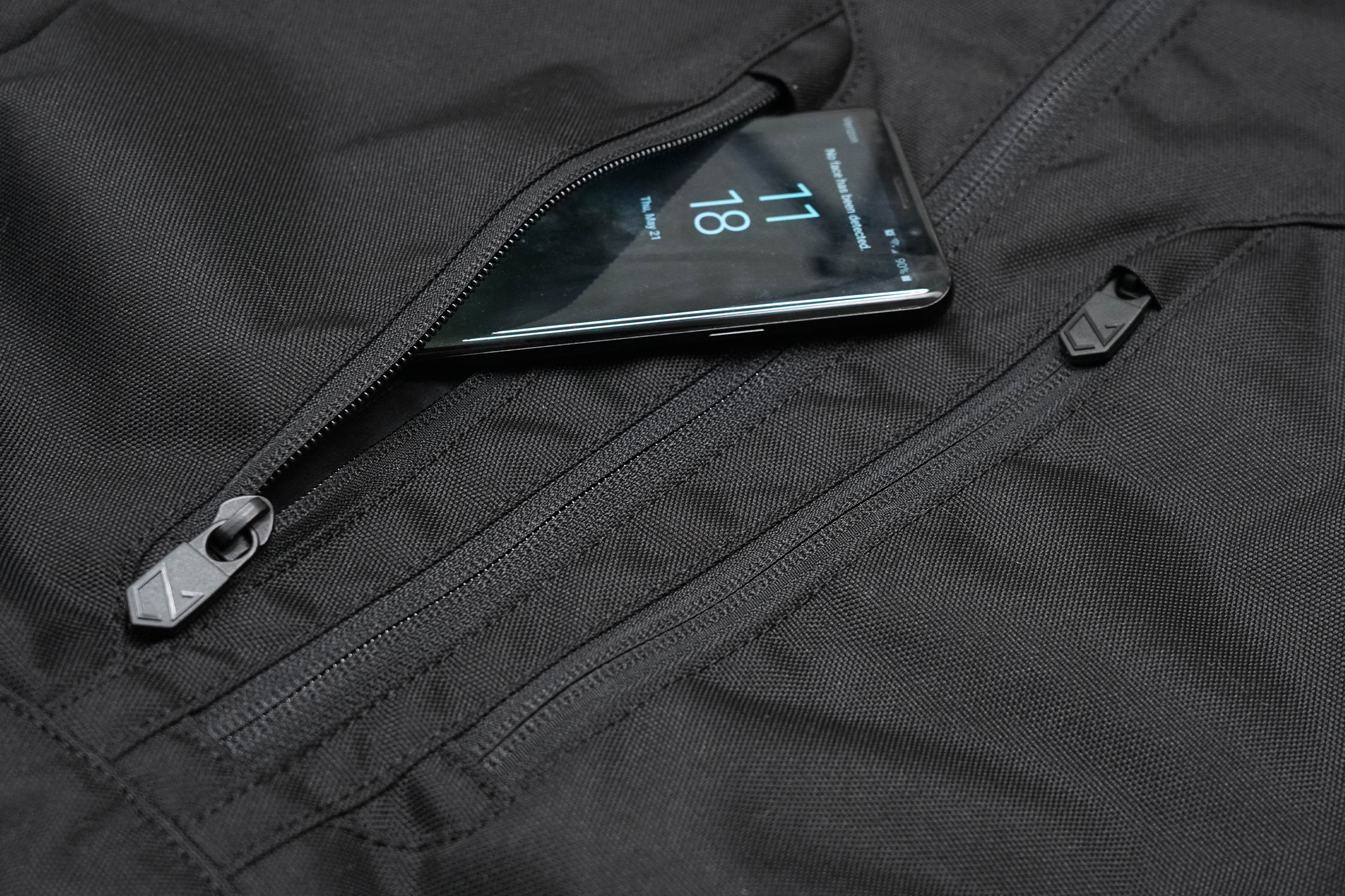 Minaal Rolltop Bag Front Pocket