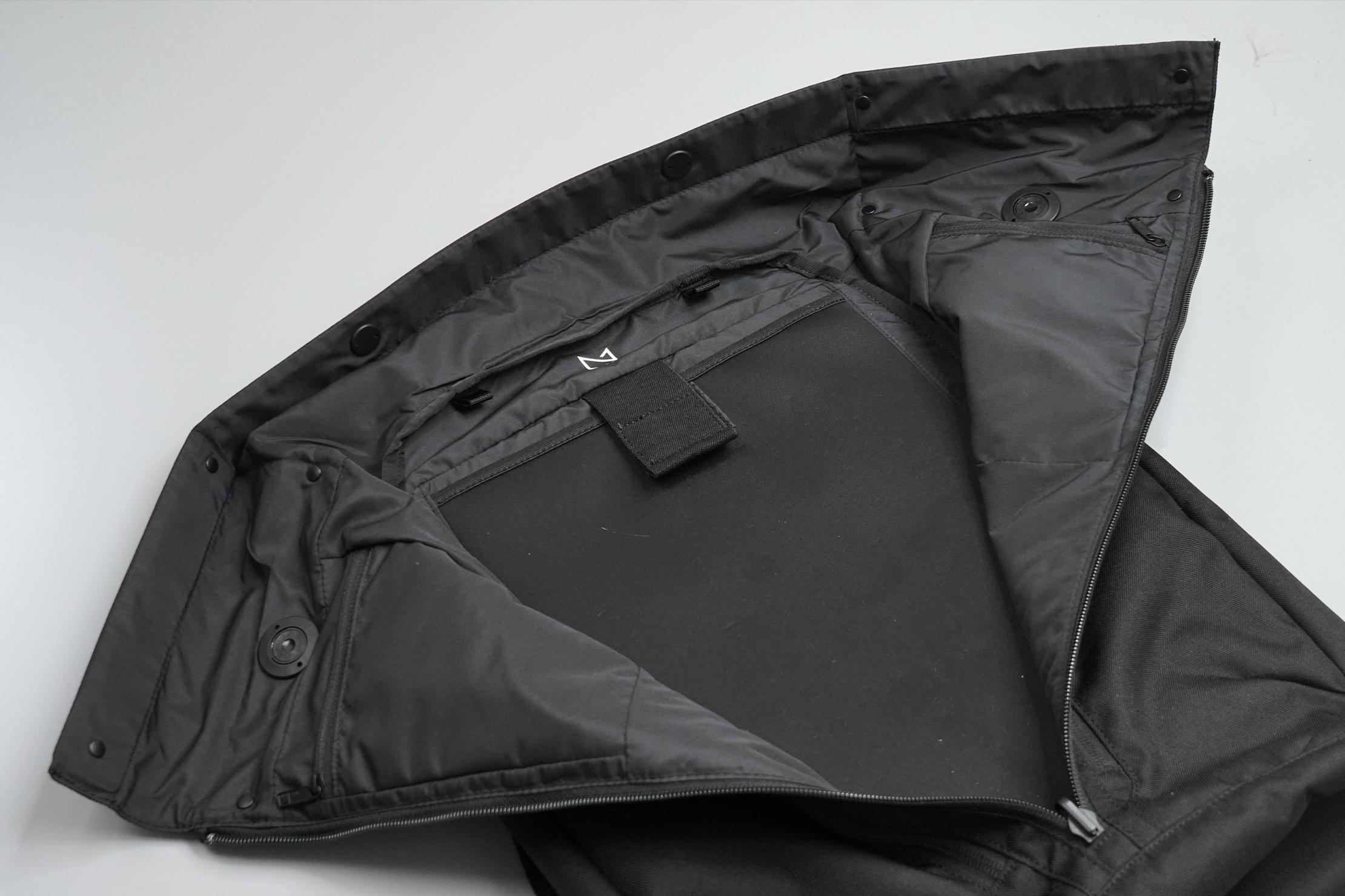 Minaal Rolltop Bag Open