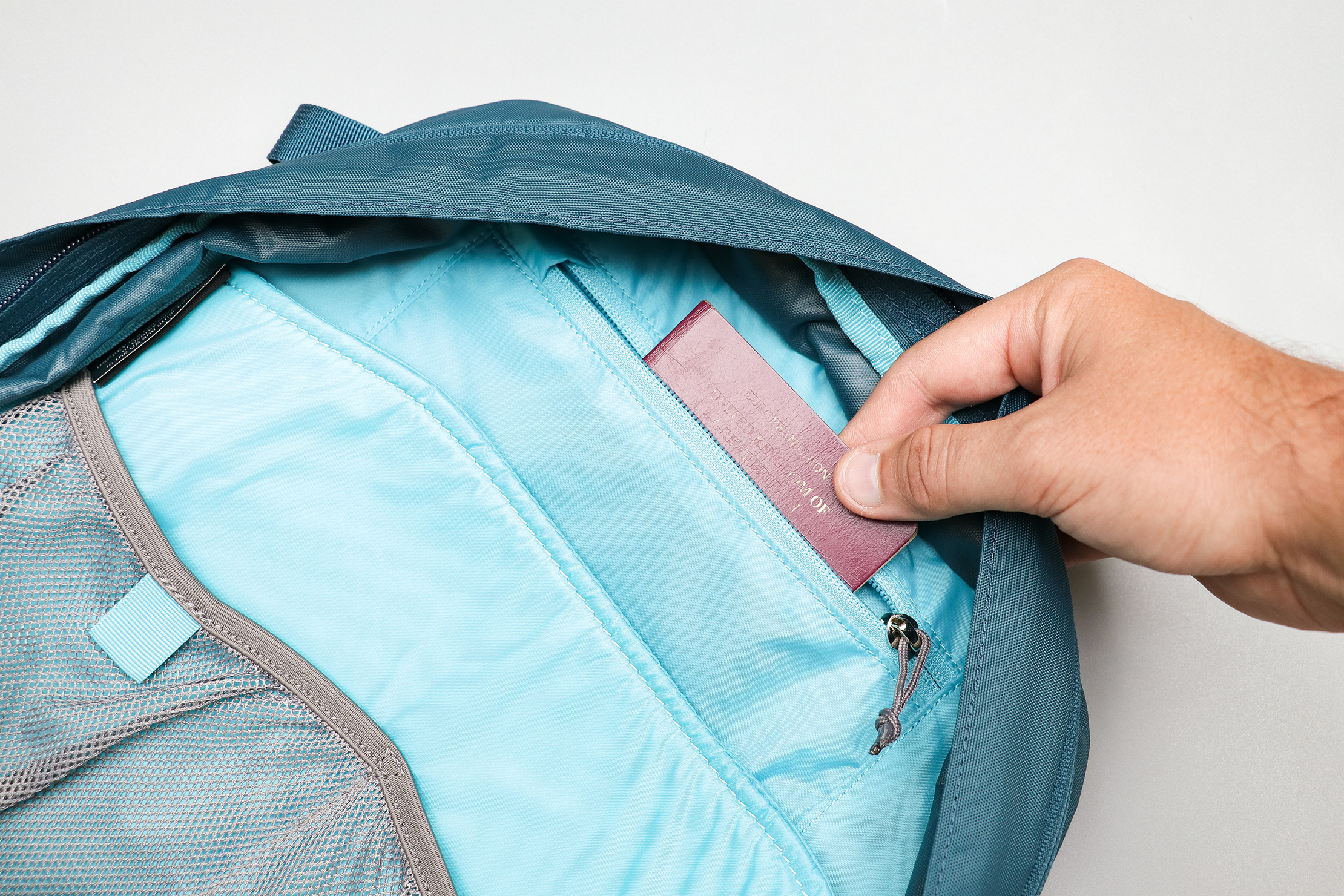 Osprey Daylite Travel Pack Hidden Pocket