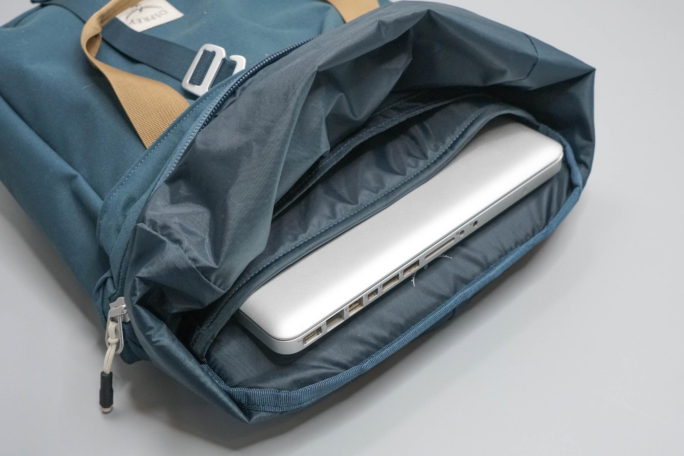 Osprey Arcane Tote Pack Laptop Sleeve