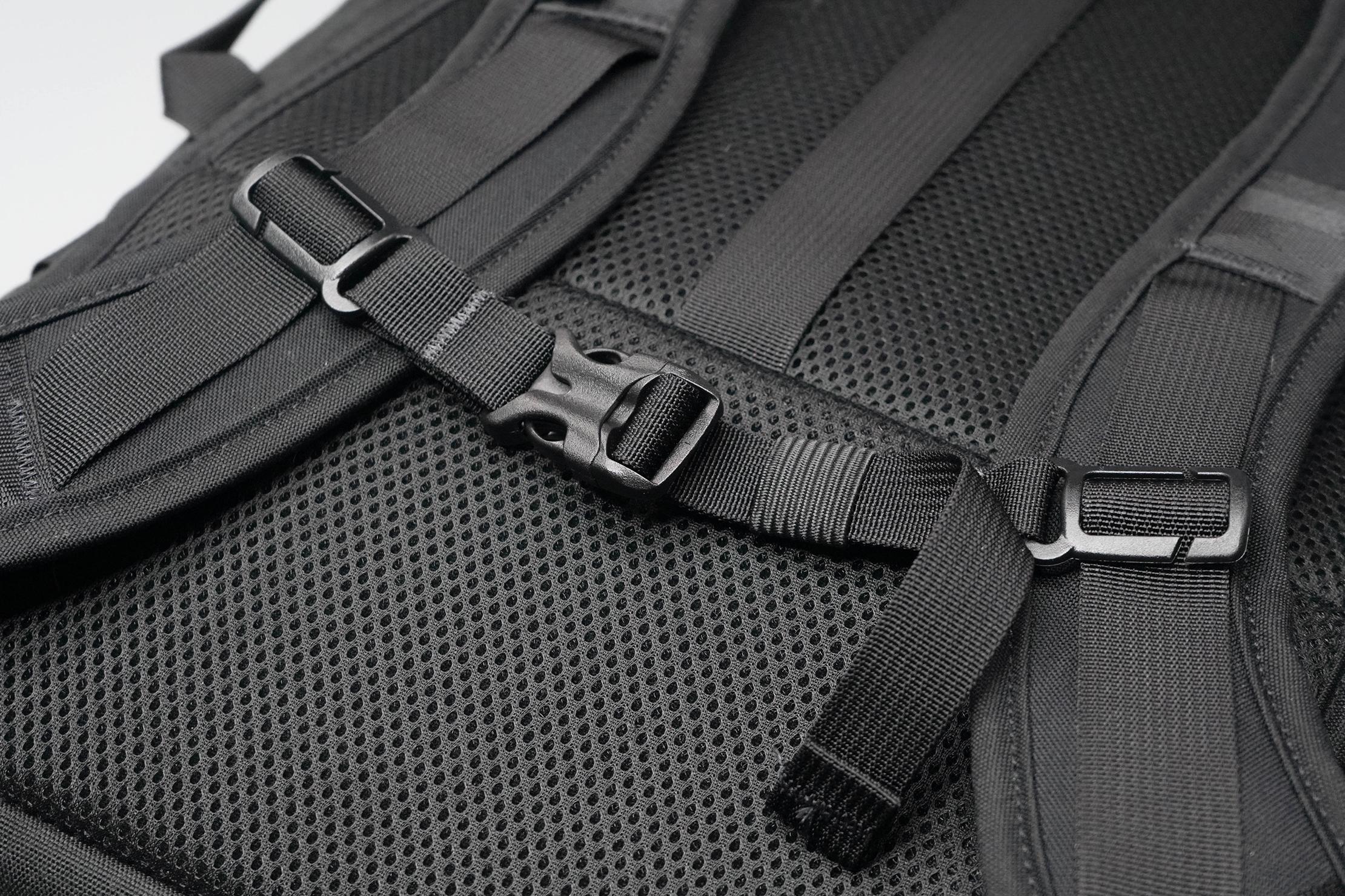 North St. Bags Weekender Backpack Sternum Strap