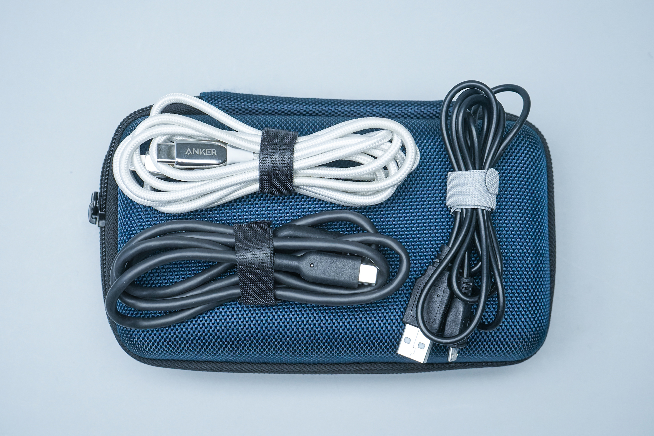 VELCRO Brand Cable Ties with tech pouch