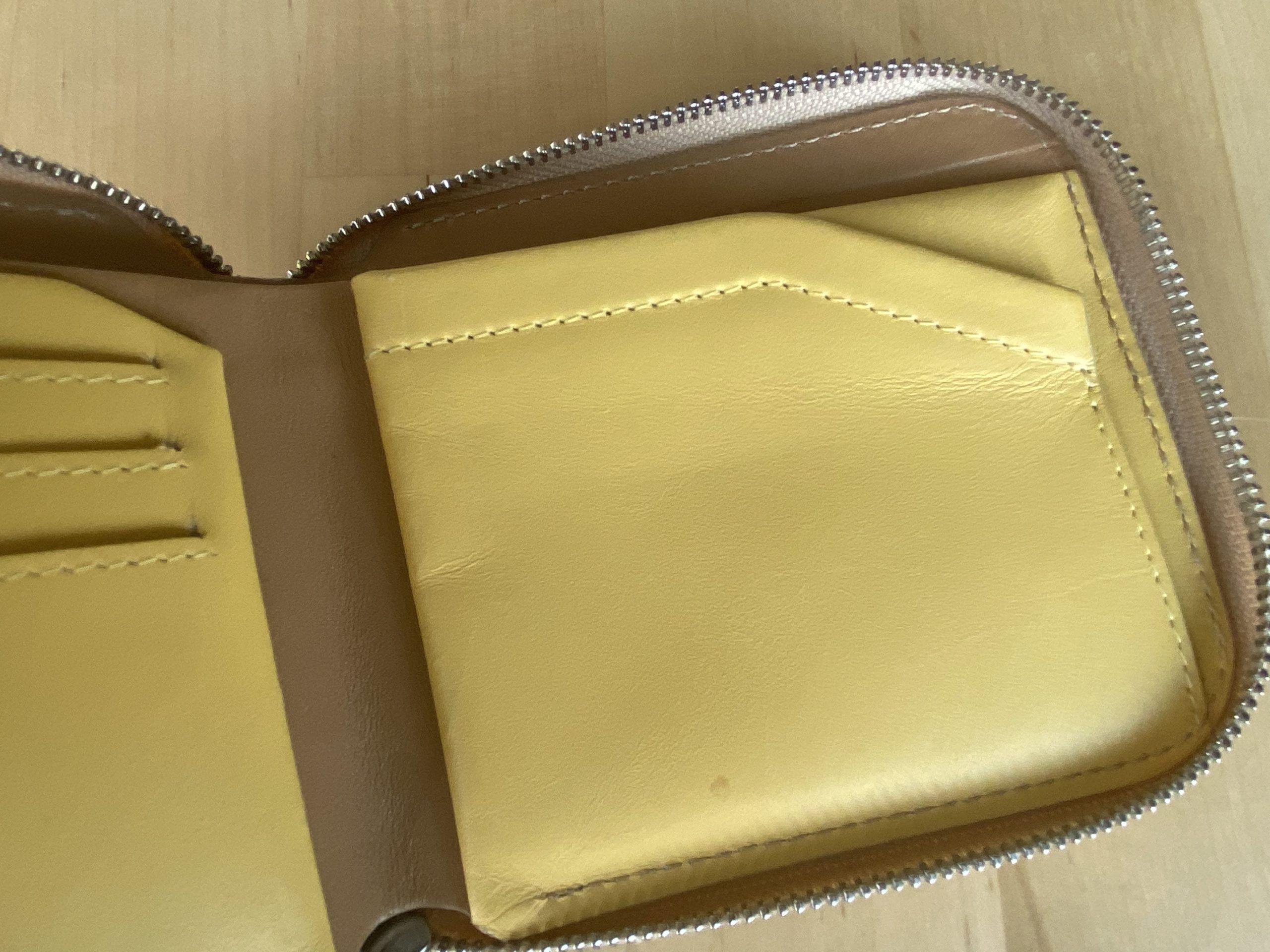 Bellroy Zip Wallet Wear