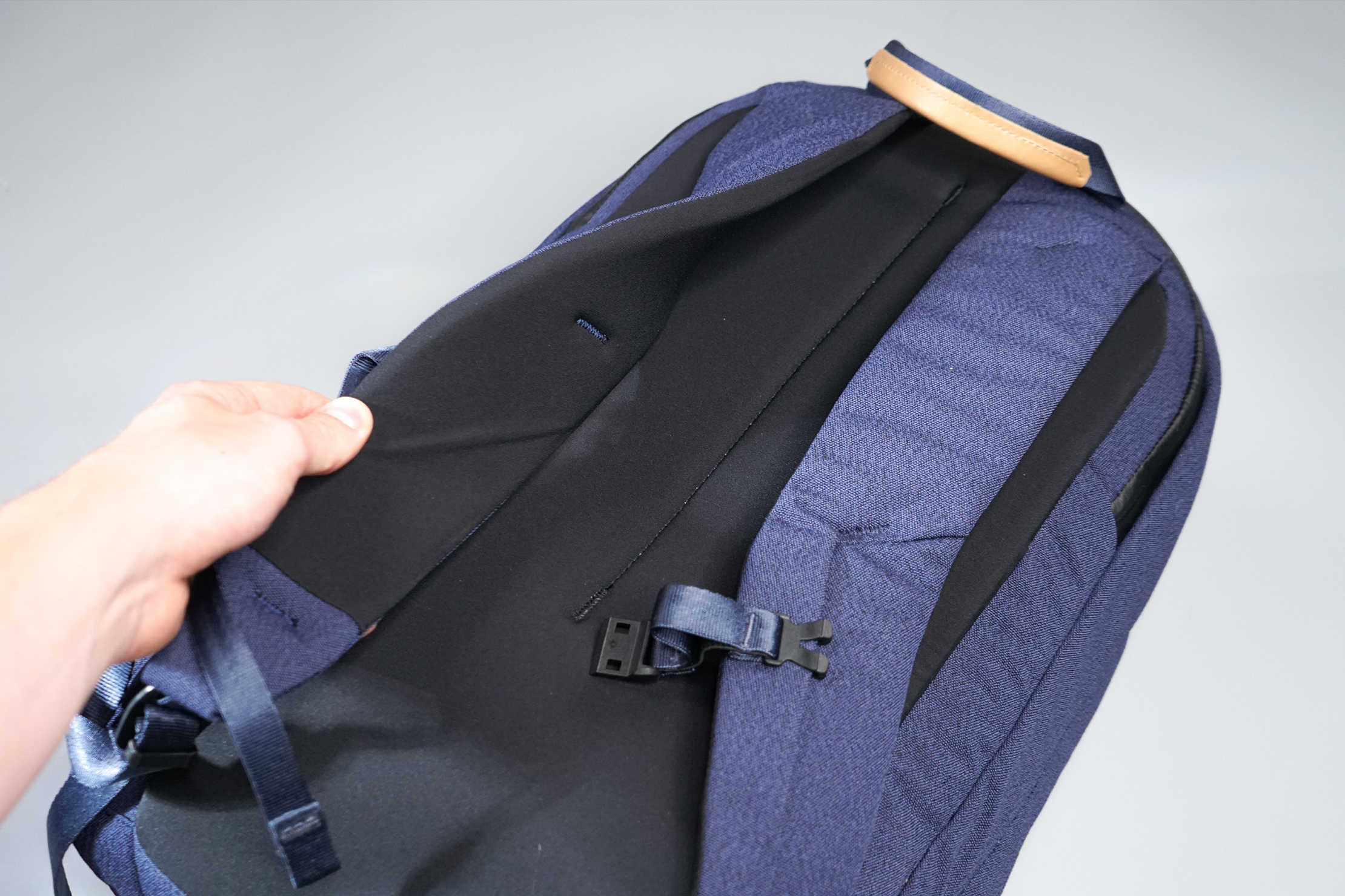 Bellroy Classic Backpack Plus Shoulder Straps and Sternum Strap