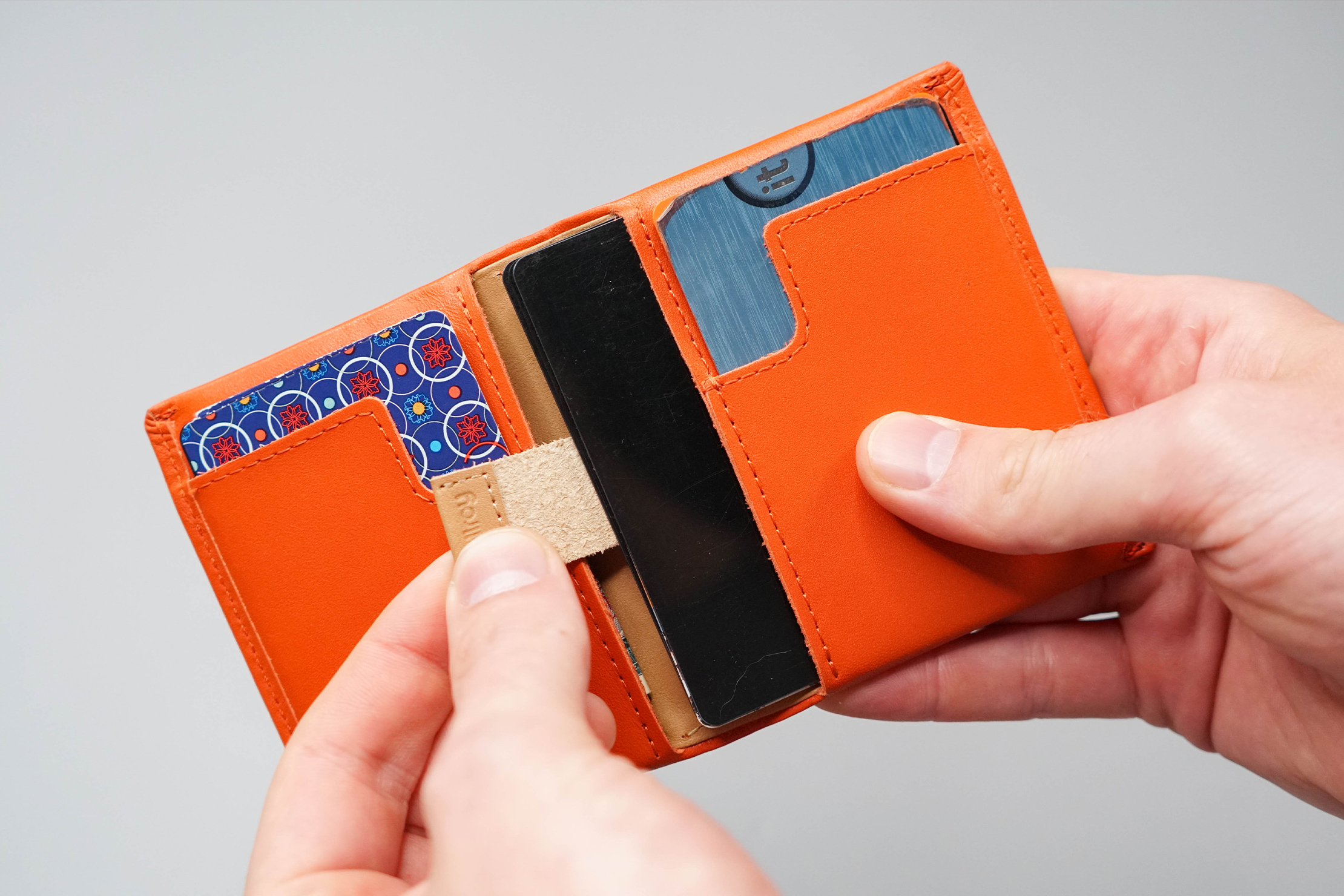 Bellroy Slim Sleeve Pull-Tab Compartment