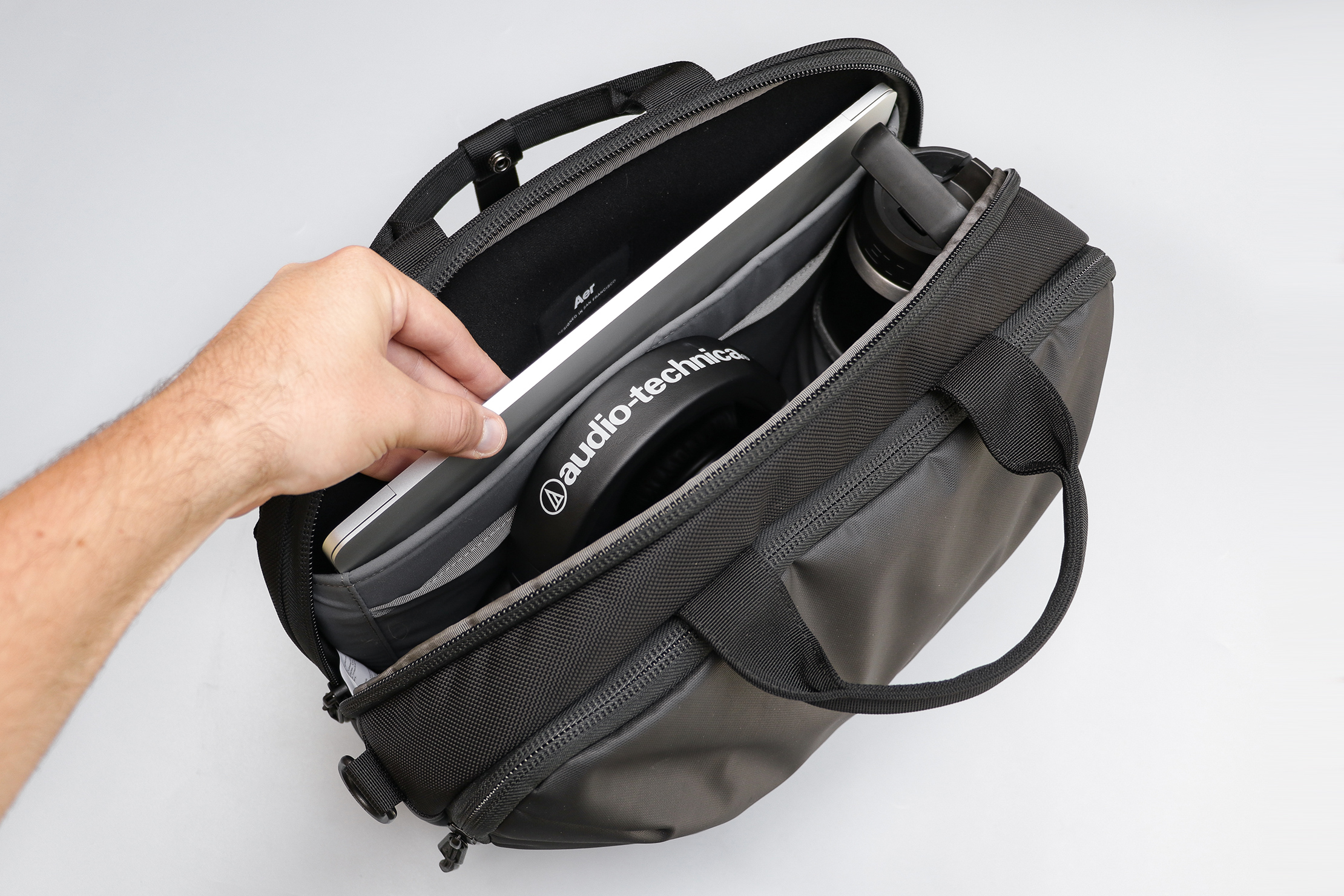 Aer Commuter Brief 2 Main Compartment