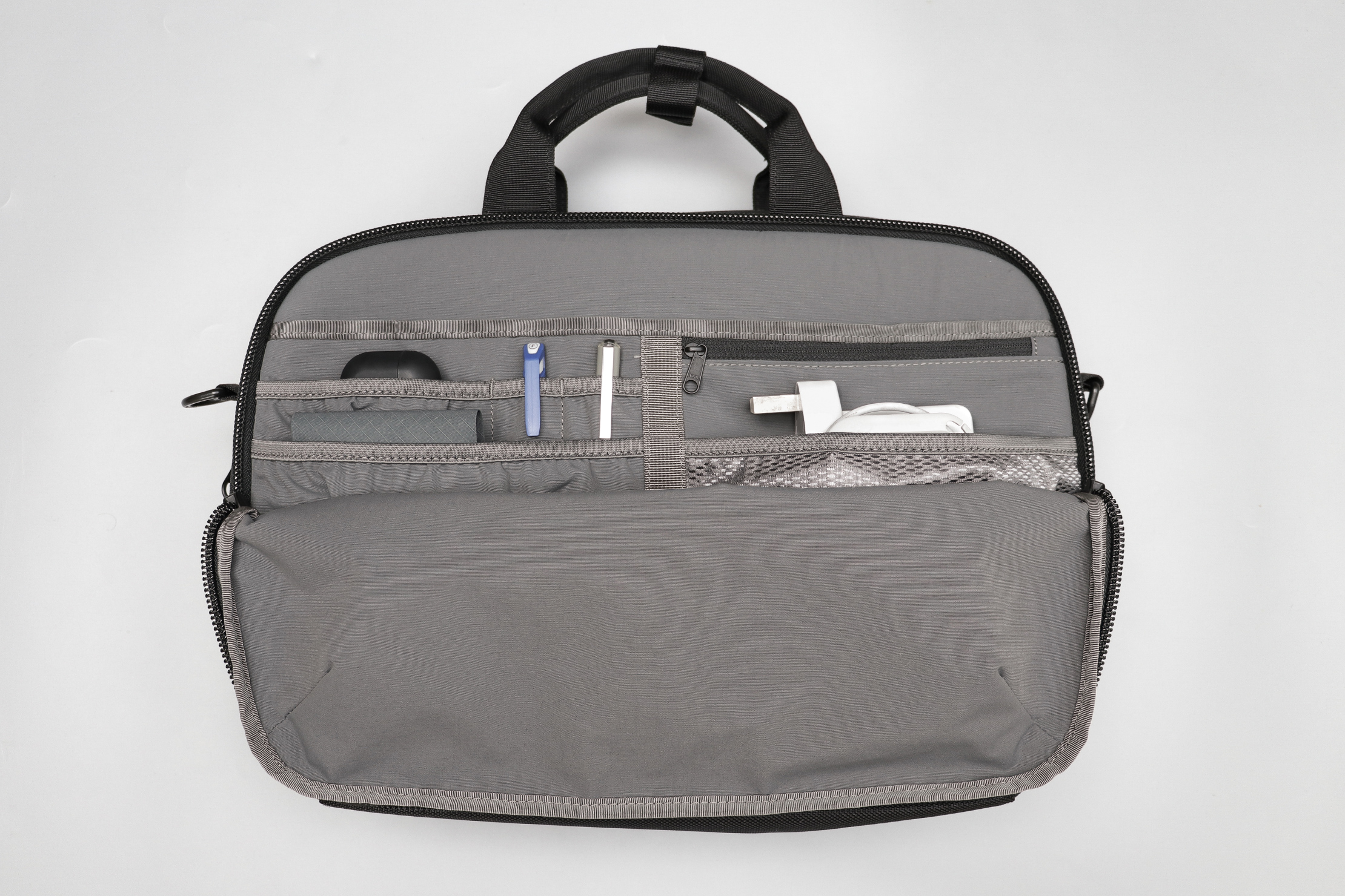 Aer Commuter Brief 2 Front Compartment Organization