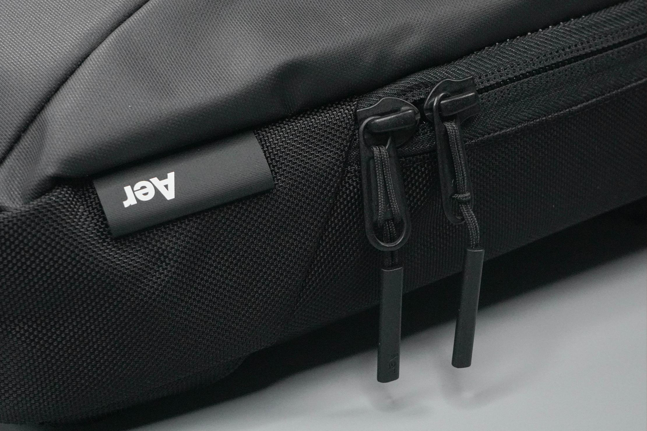 Aer Slim Pack Zippers
