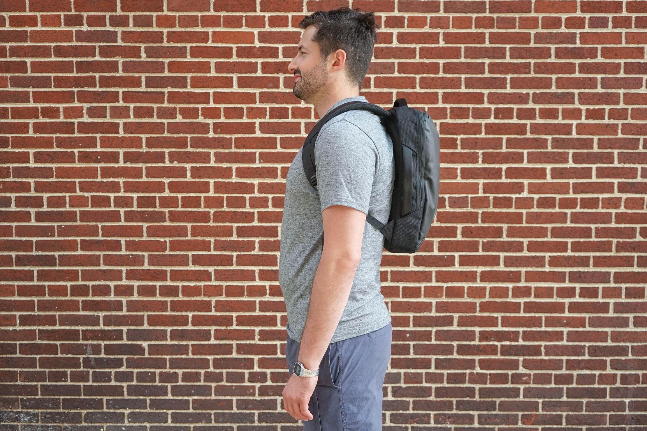 Aer Slim Pack Male Fit