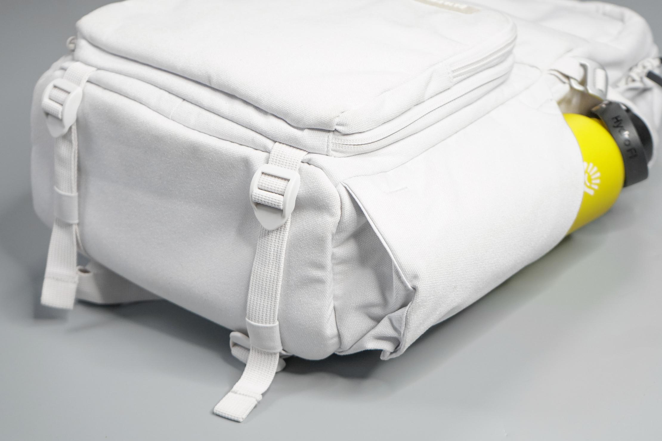 Brevitē Jumper Photo Backpack Compression Straps