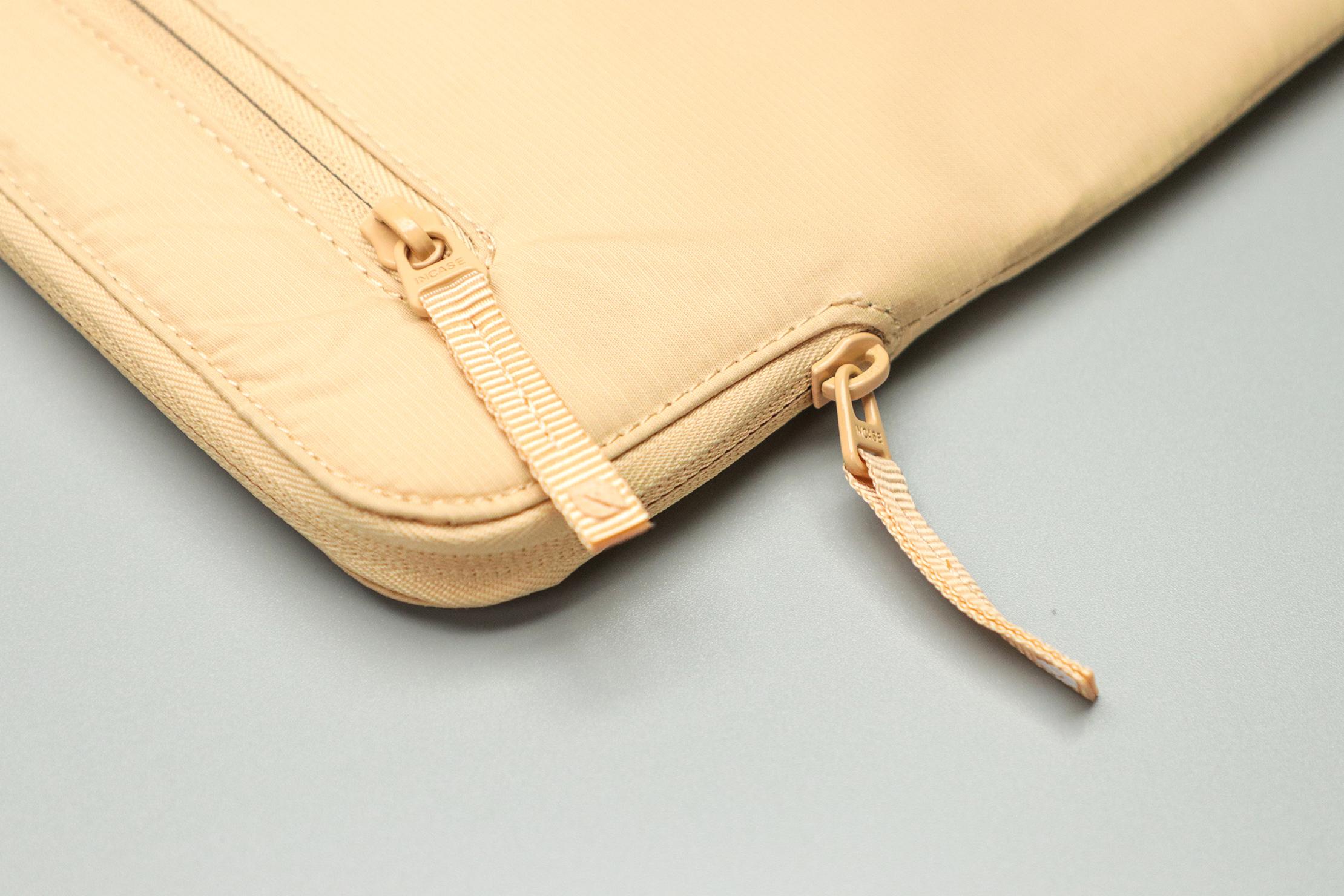 Incase Compact Sleeve with BIONIC zippers