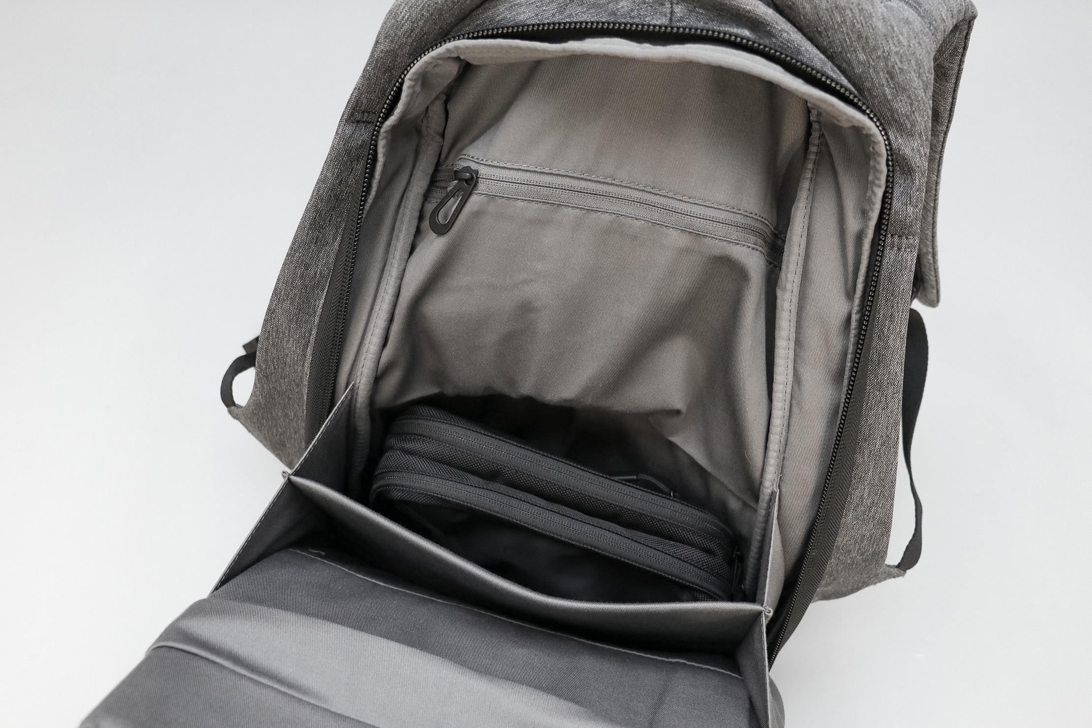 Cote&Ciel Isar M EcoYarn Grey Back Compartment