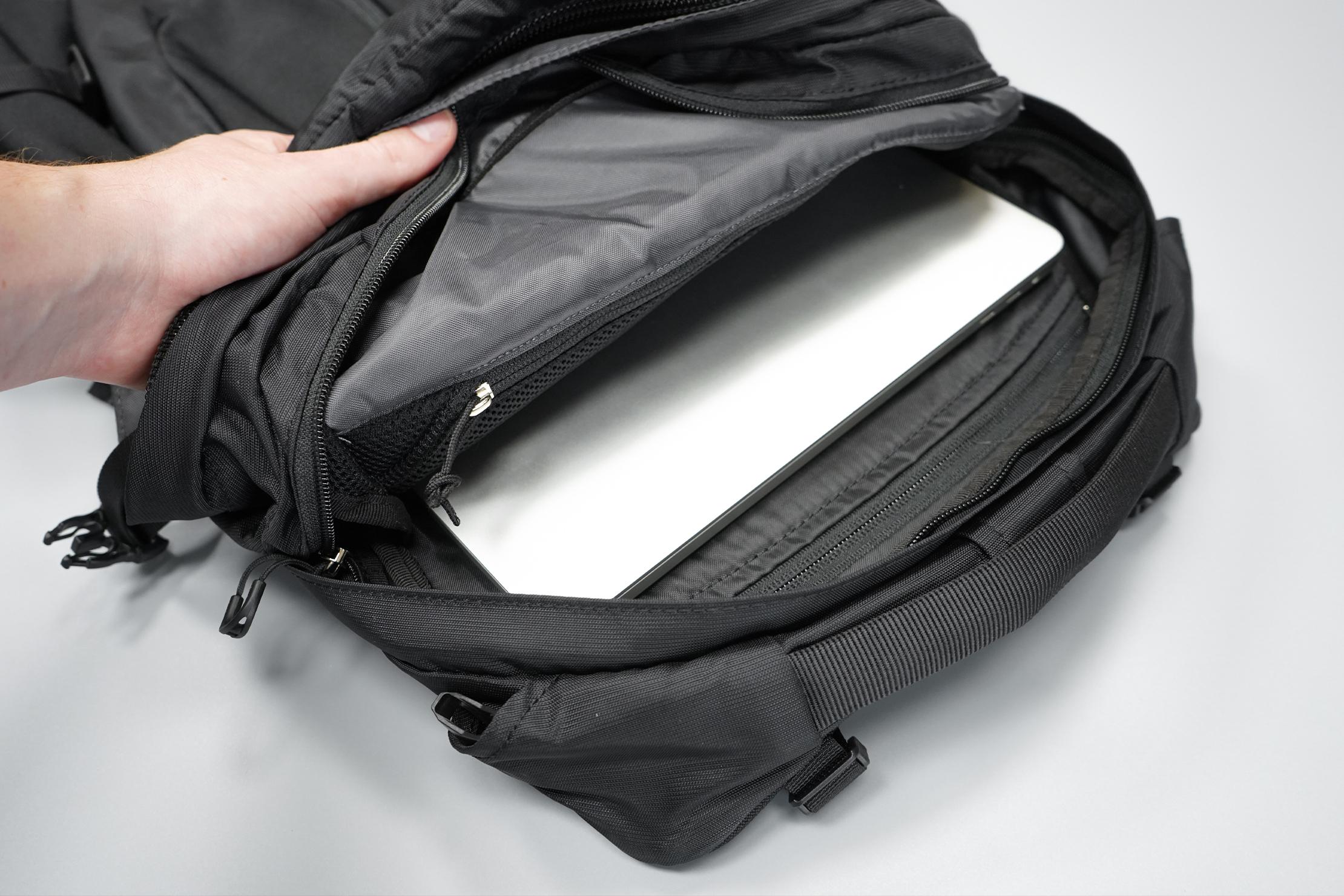 Osprey Tropos Laptop Compartment