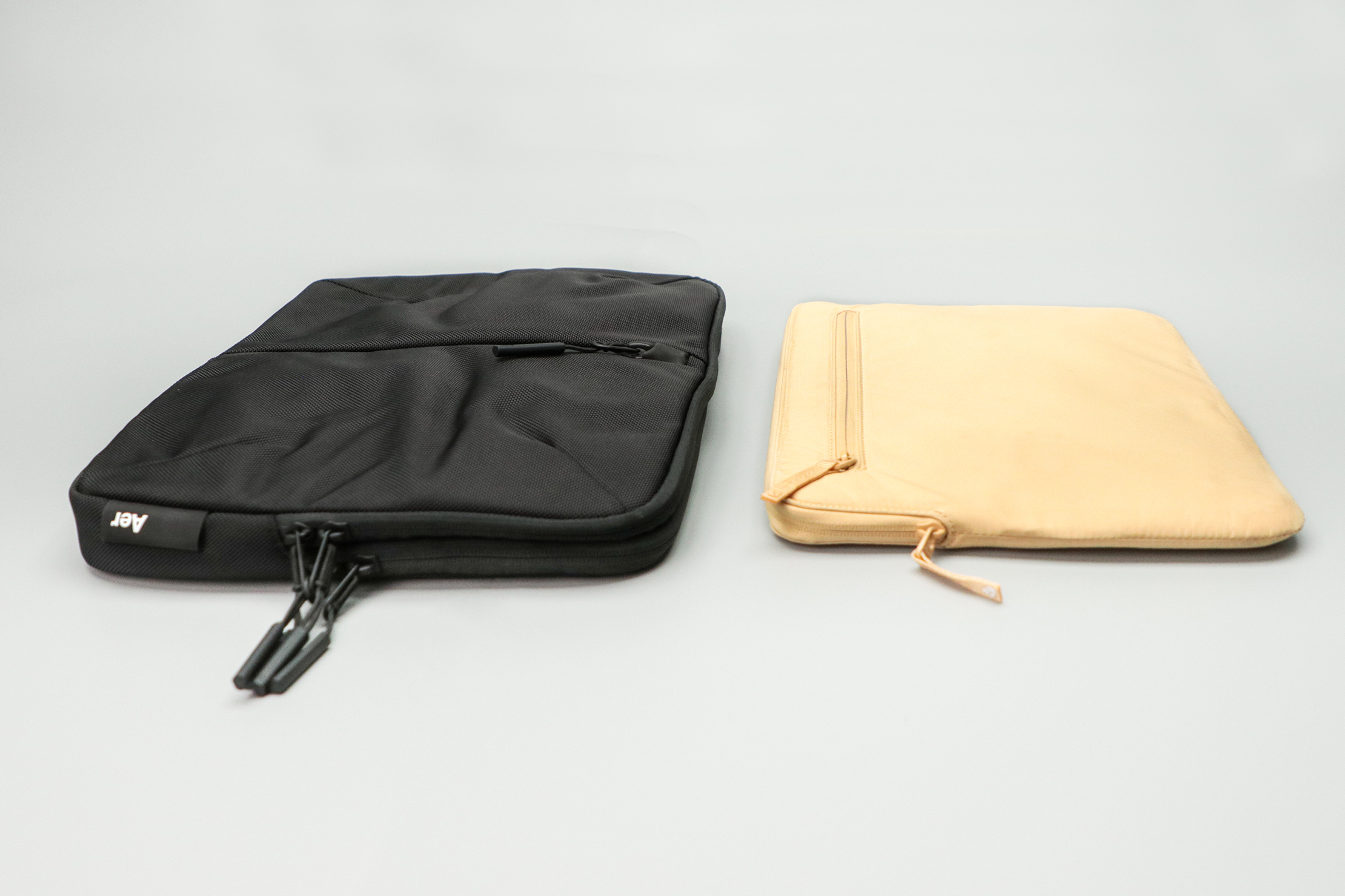 Incase Compact Sleeve with BIONIC compared to the Aer Tech Folio.