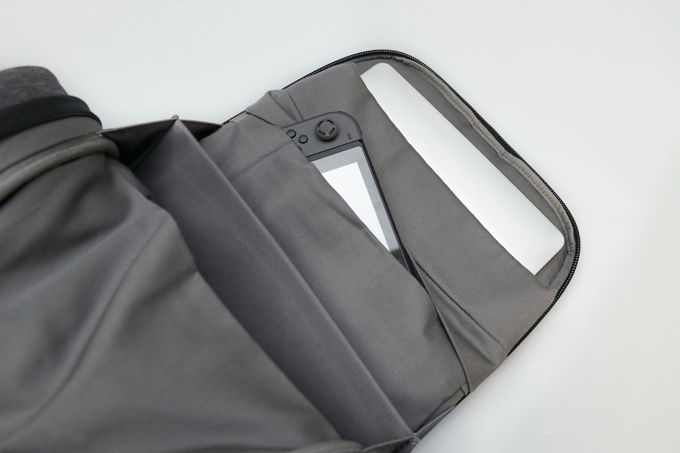 Cote&Ciel Isar M EcoYarn Grey Laptop Compartment