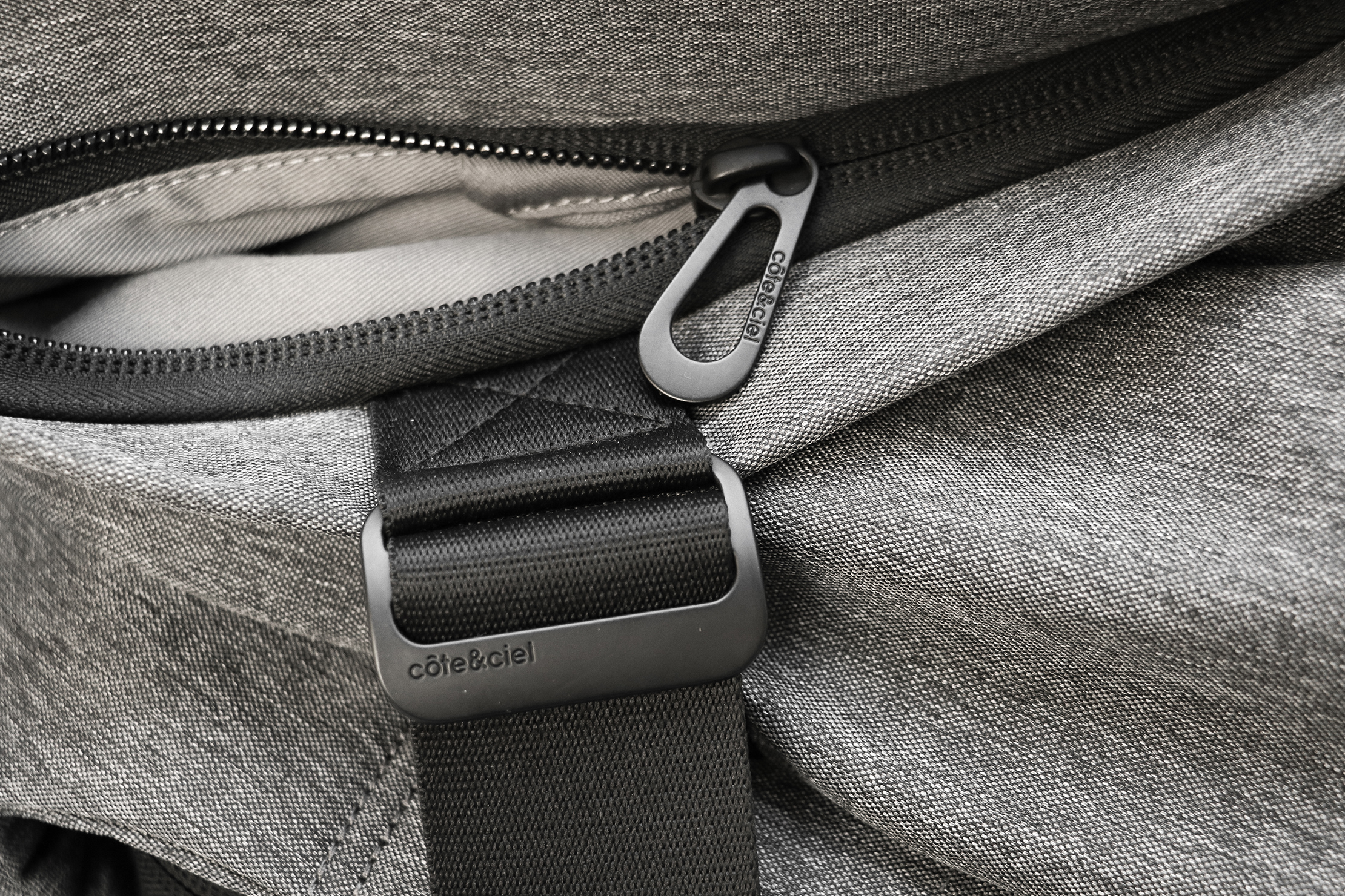 Cote&Ciel Isar M EcoYarn Grey Zippers and Hardware