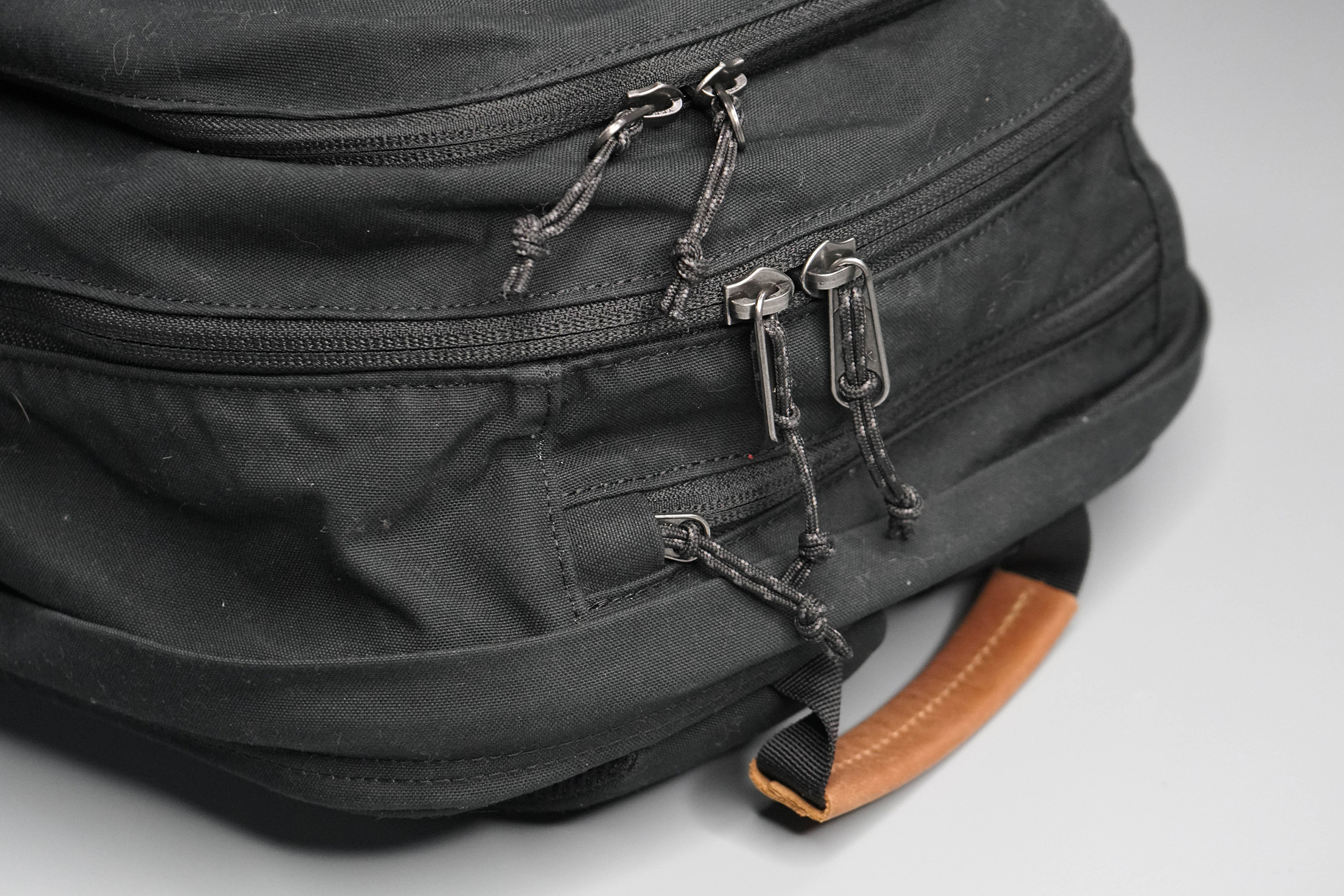 Fjallraven Raven 28 Zippers