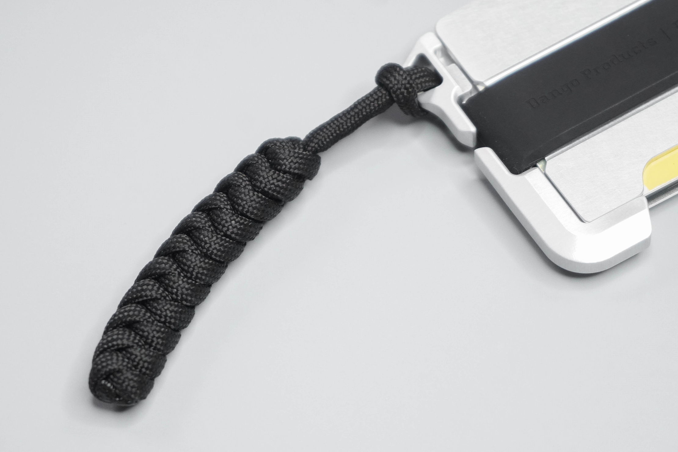 Dango D01 Dapper Wallet Paracord Handle