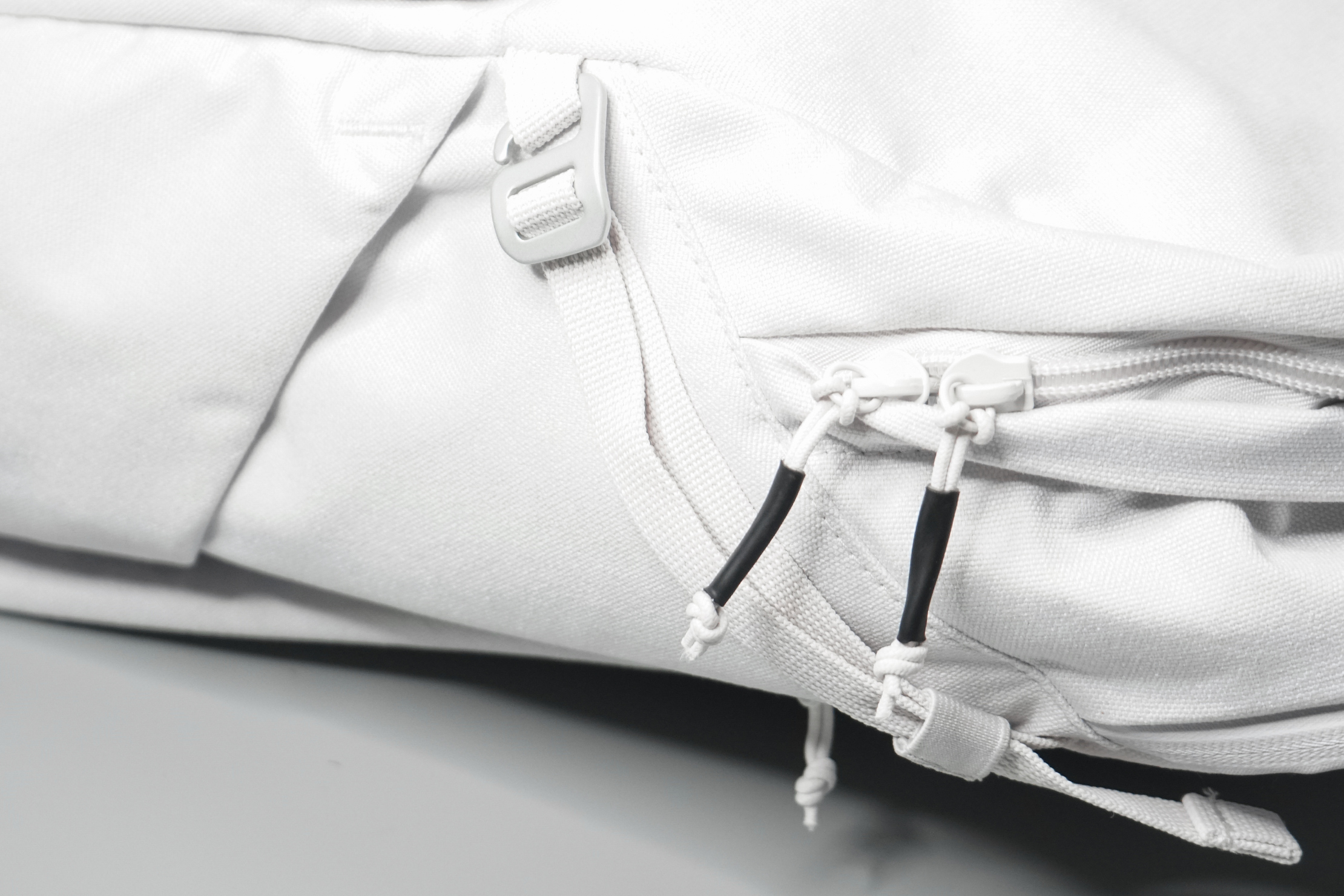 Brevitē Jumper Photo Backpack Zippers and Hardware