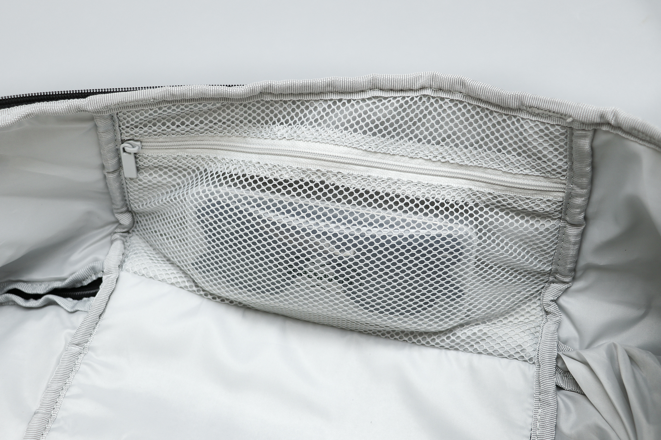 IKEA VARLDENS Backpack 36L Main Compartment Side Mesh Pocket