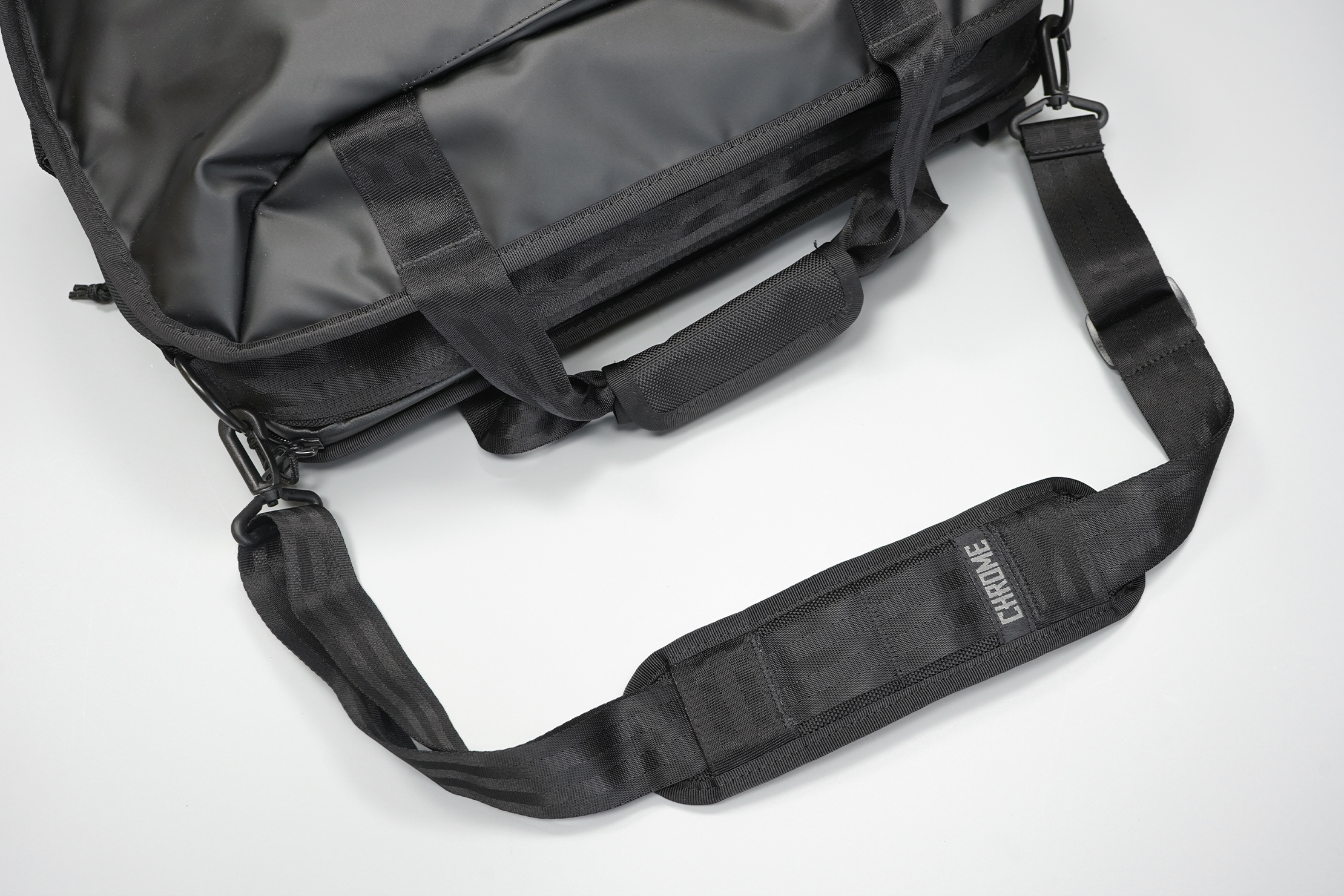 Chrome Industries Vega 2.0 Transit Brief   A shoulder strap or the handles—take your pick, both are easy to use