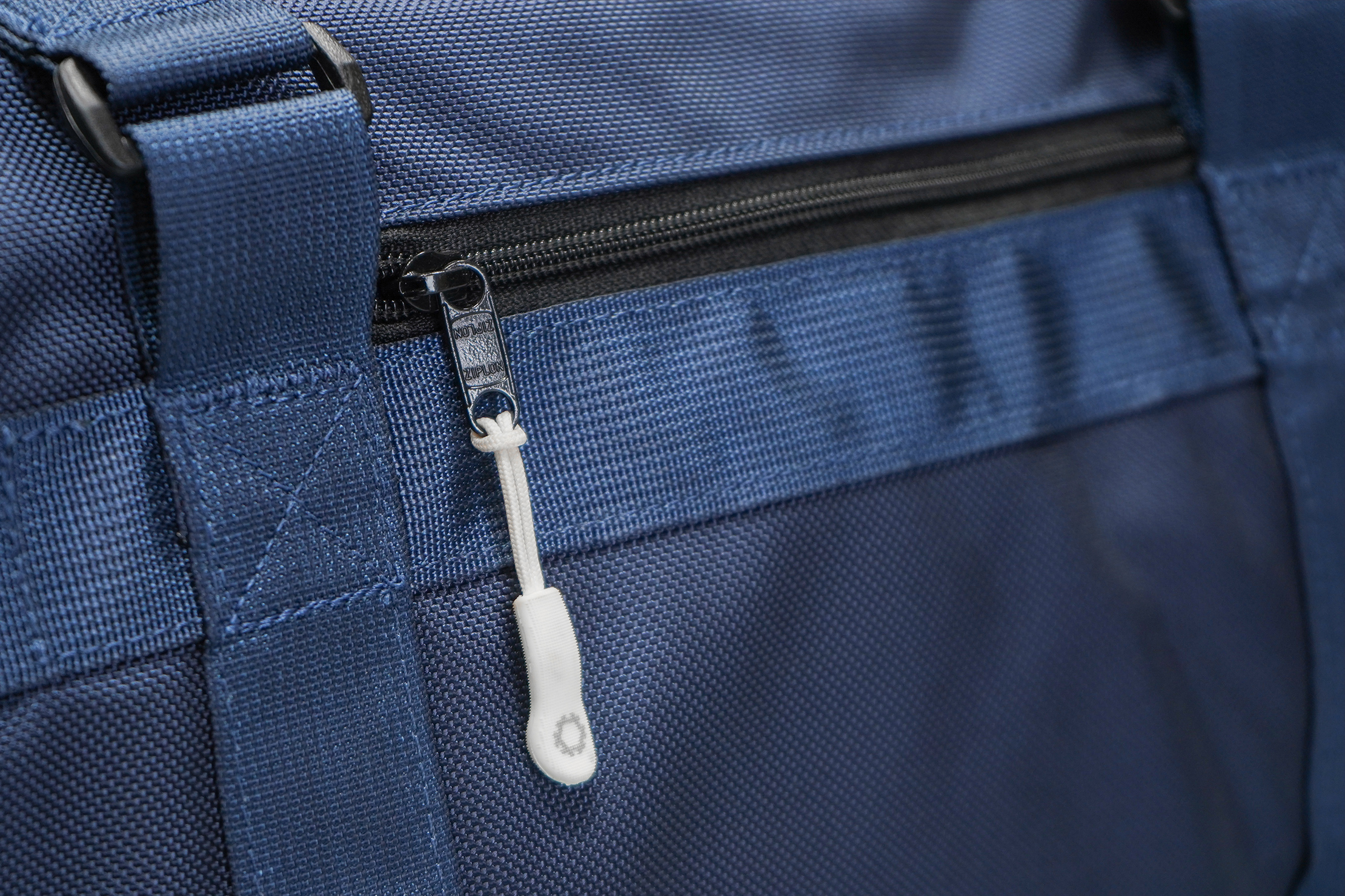 DSPTCH Utility Tote | The white zipper pull serves as a nice accent piece for the blue colorway