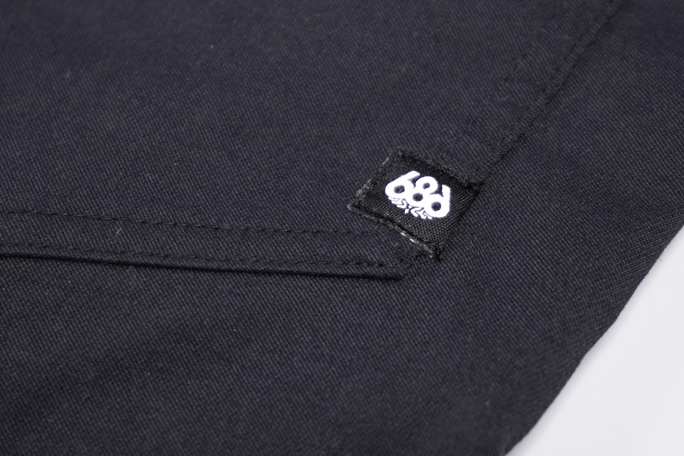 686 Everywhere Multi Pant Material and Logo