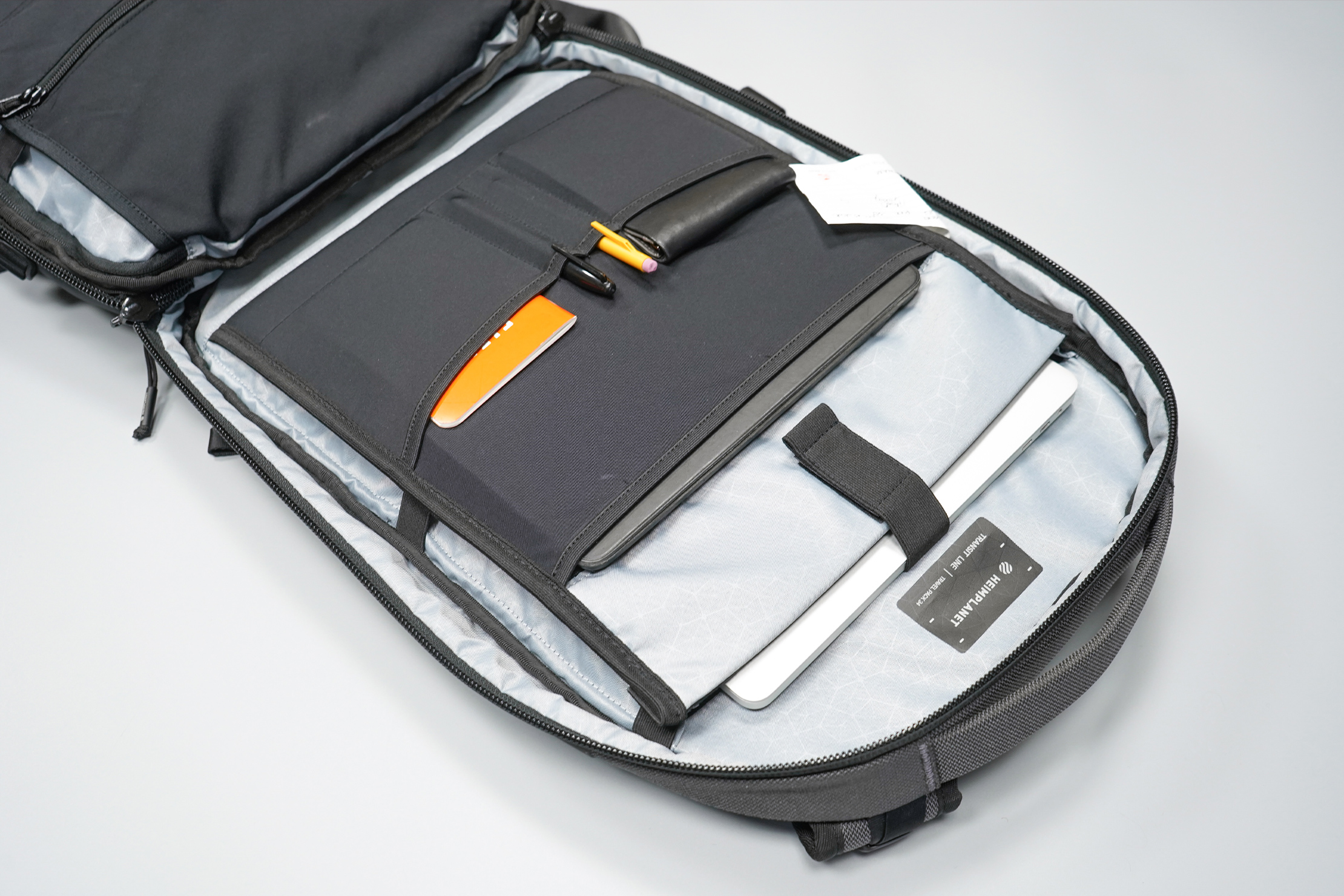 Heimplanet Travel Pack 34L V2 tech compartment