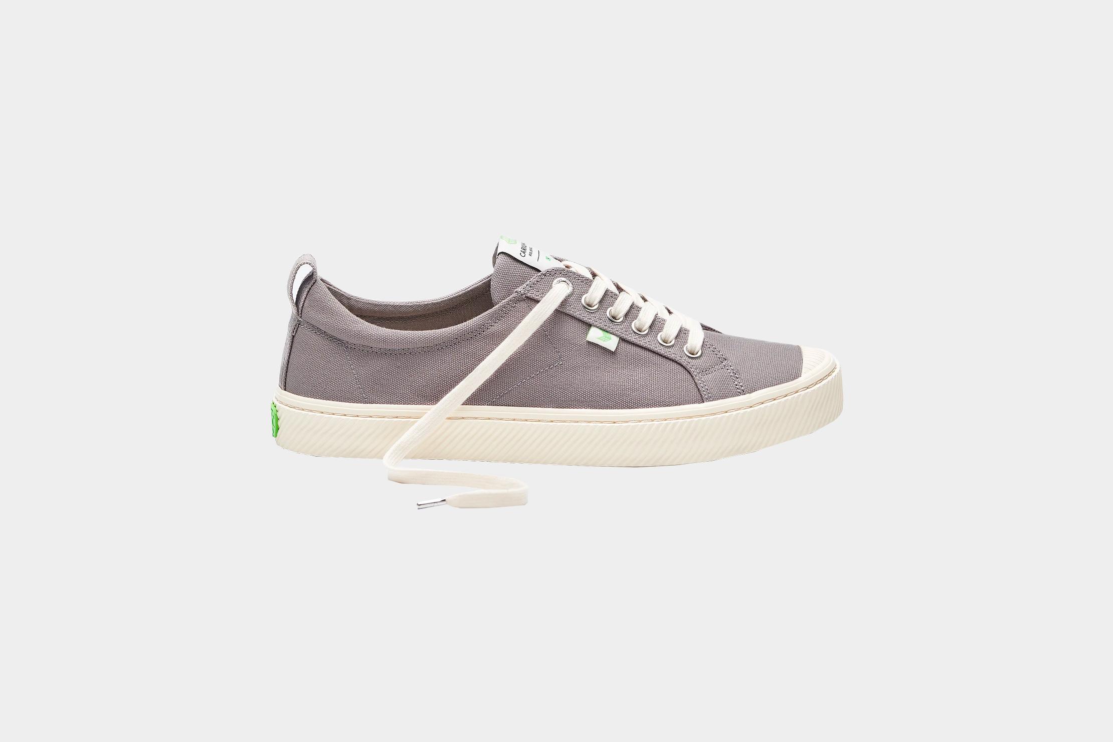Cariuma OCA Low Shoes Review   Pack Hacker