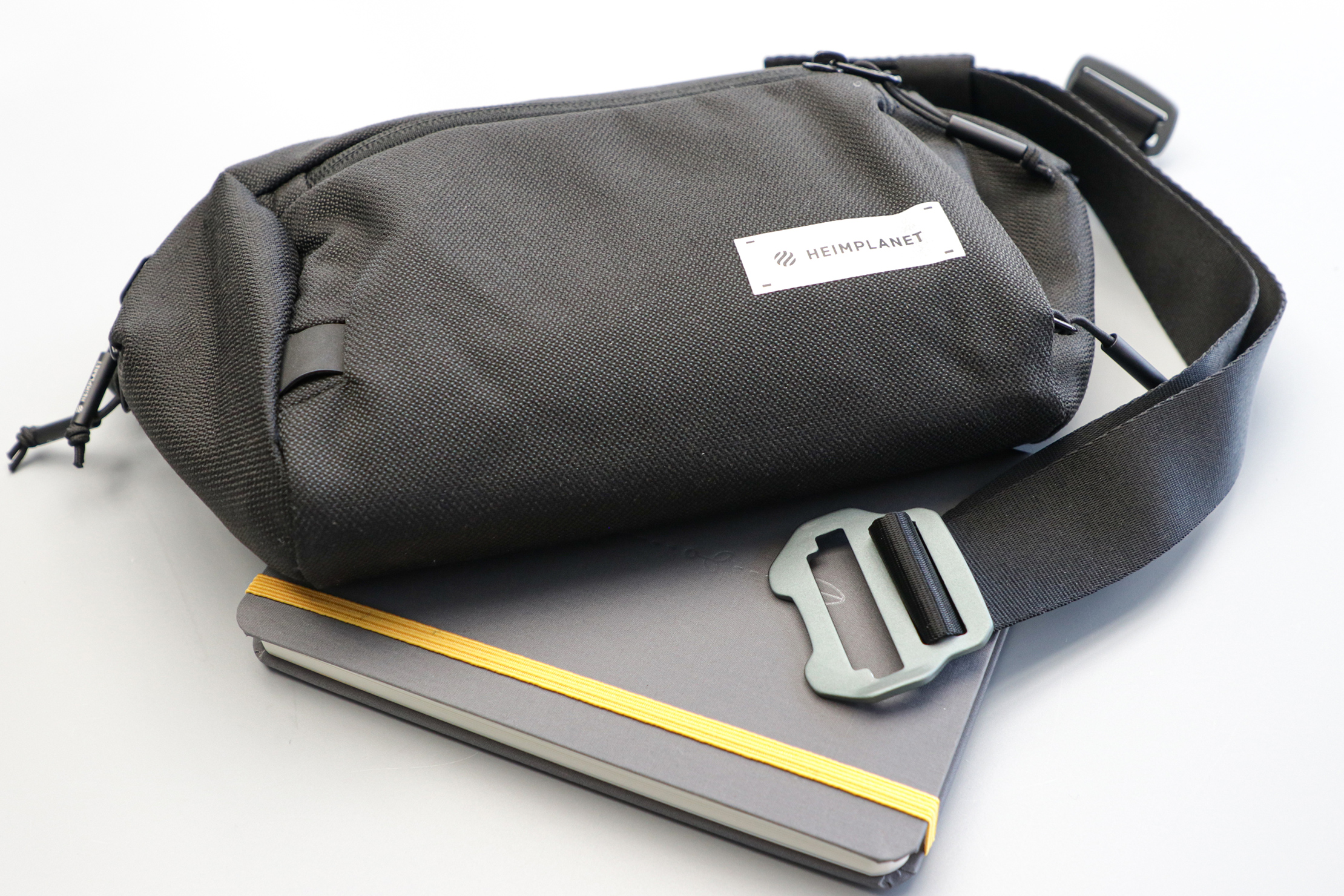 heimplanet-transit-line-sling-pocket-xl-aesthetic