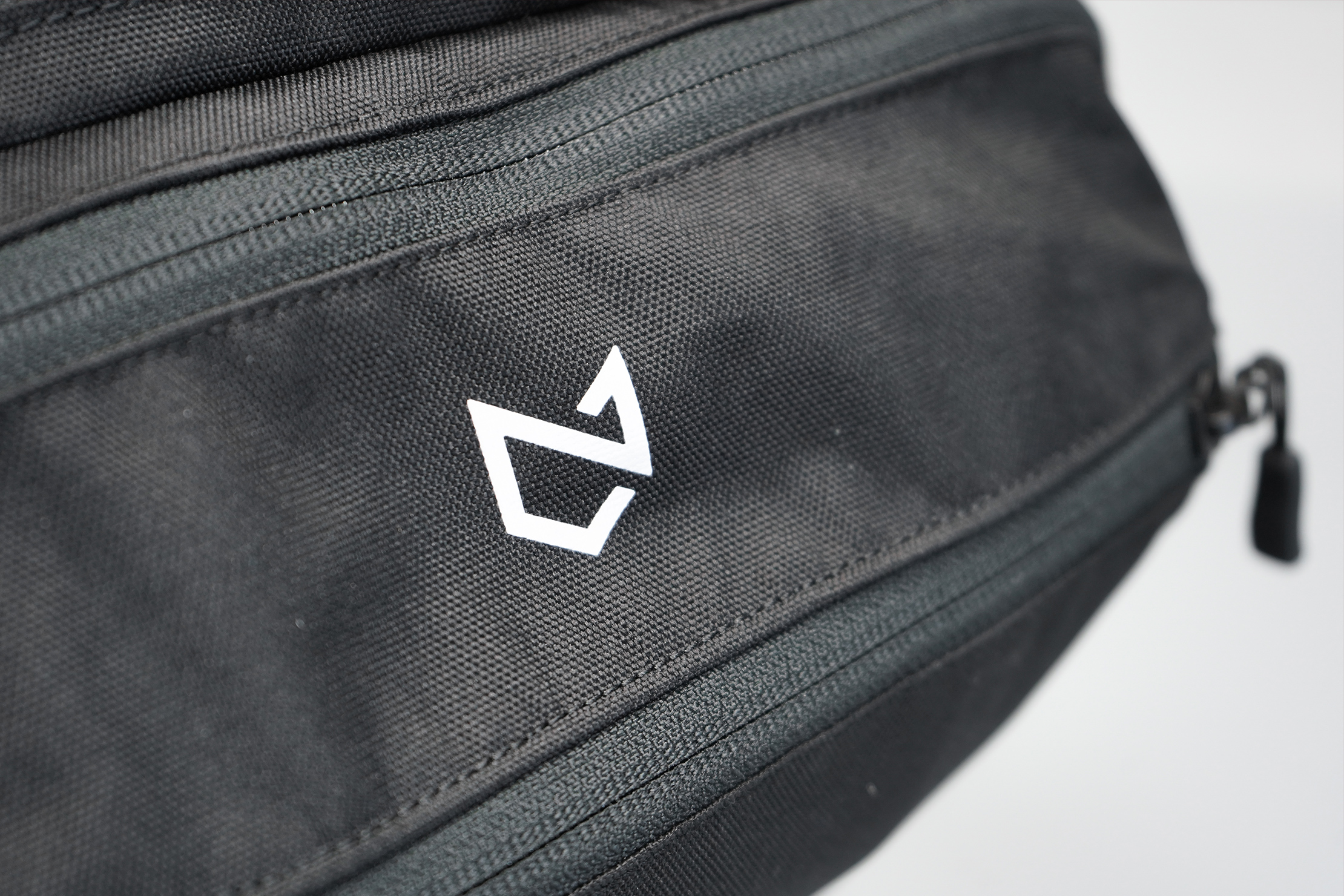 Minaal Daily 3.0 Bag Material and Logo