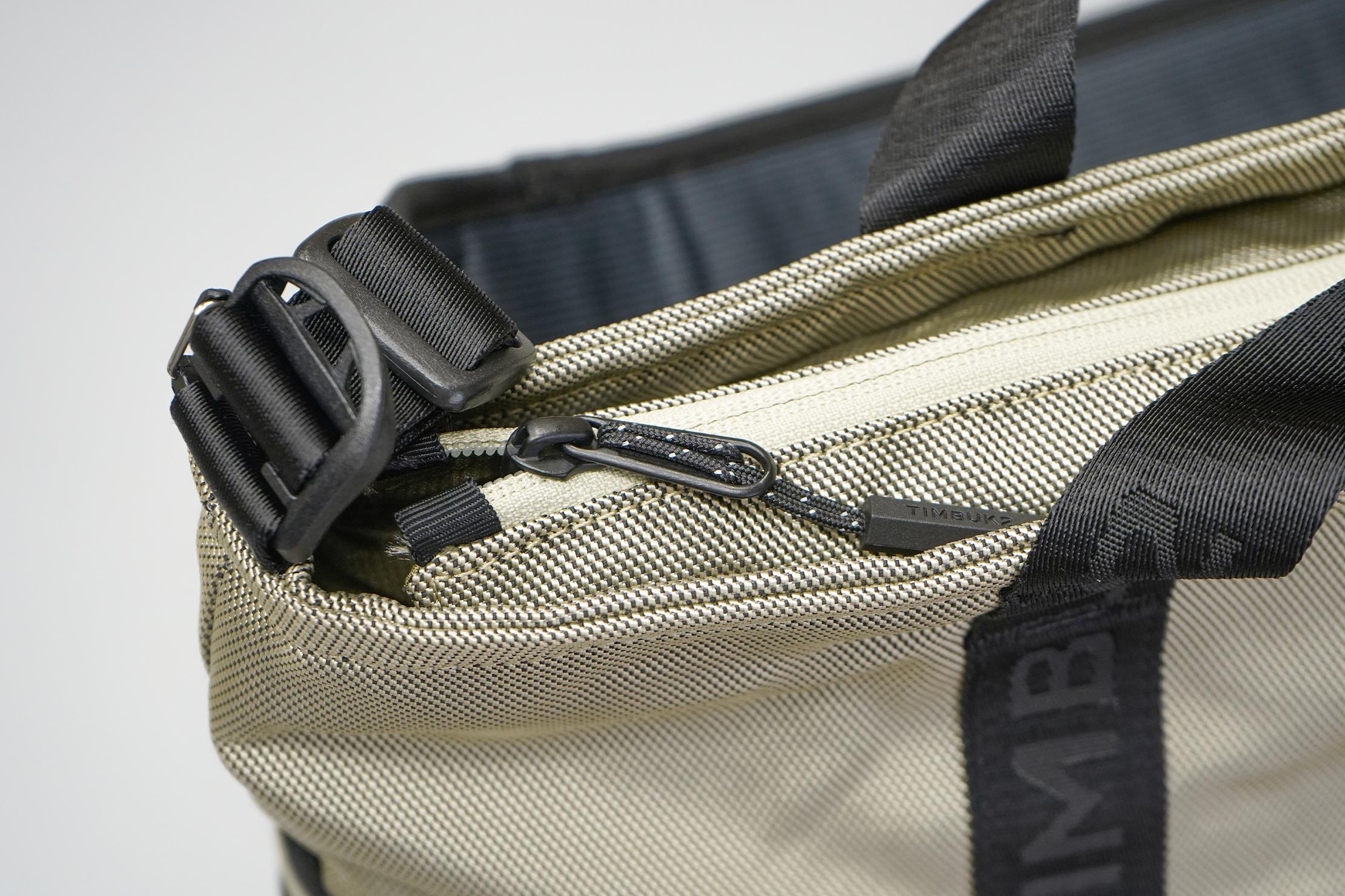 Timbuk2 Tech Tote   Zippers & hardware