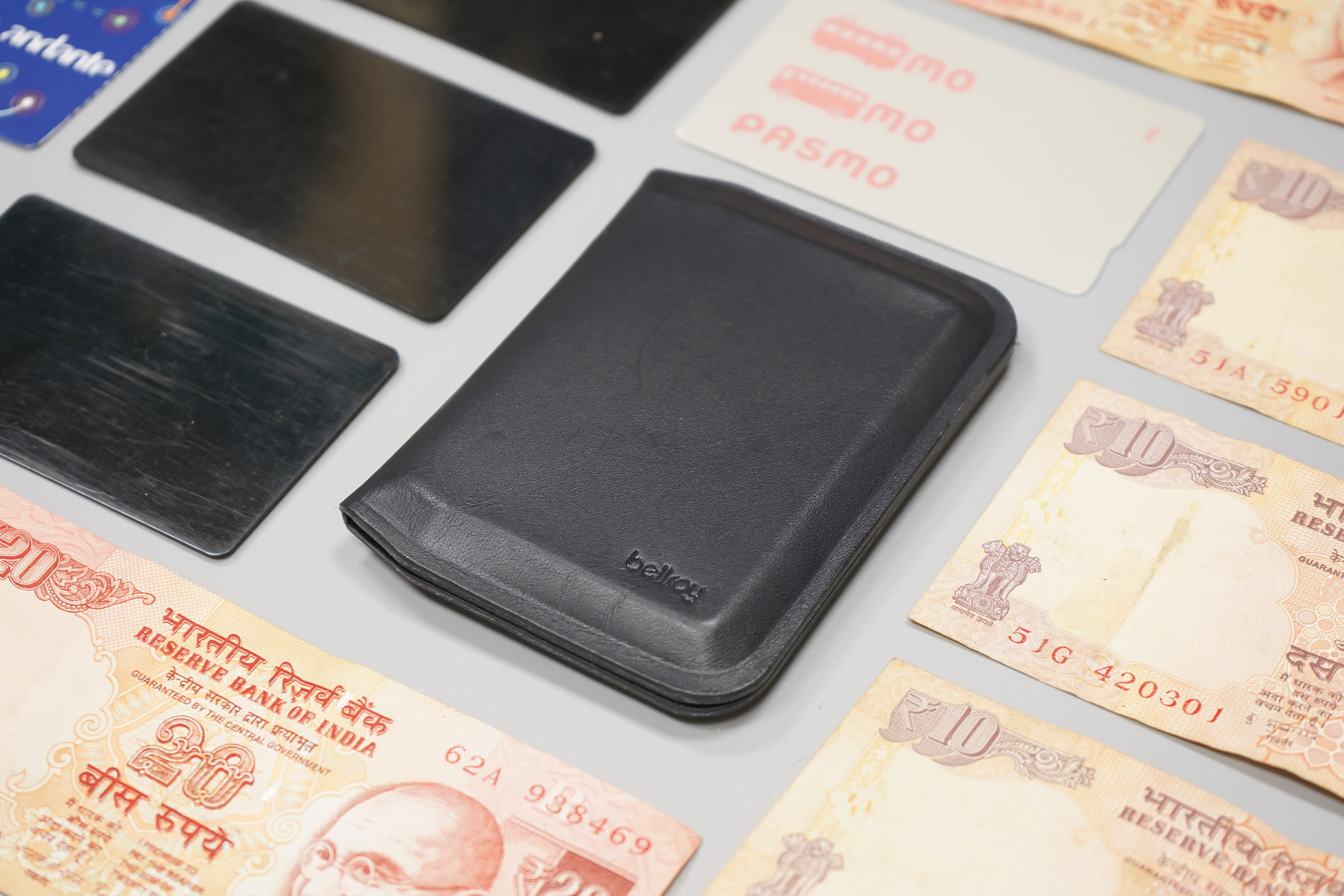 Bellroy Apex Slim Sleeve | The wallet with its contents laid out