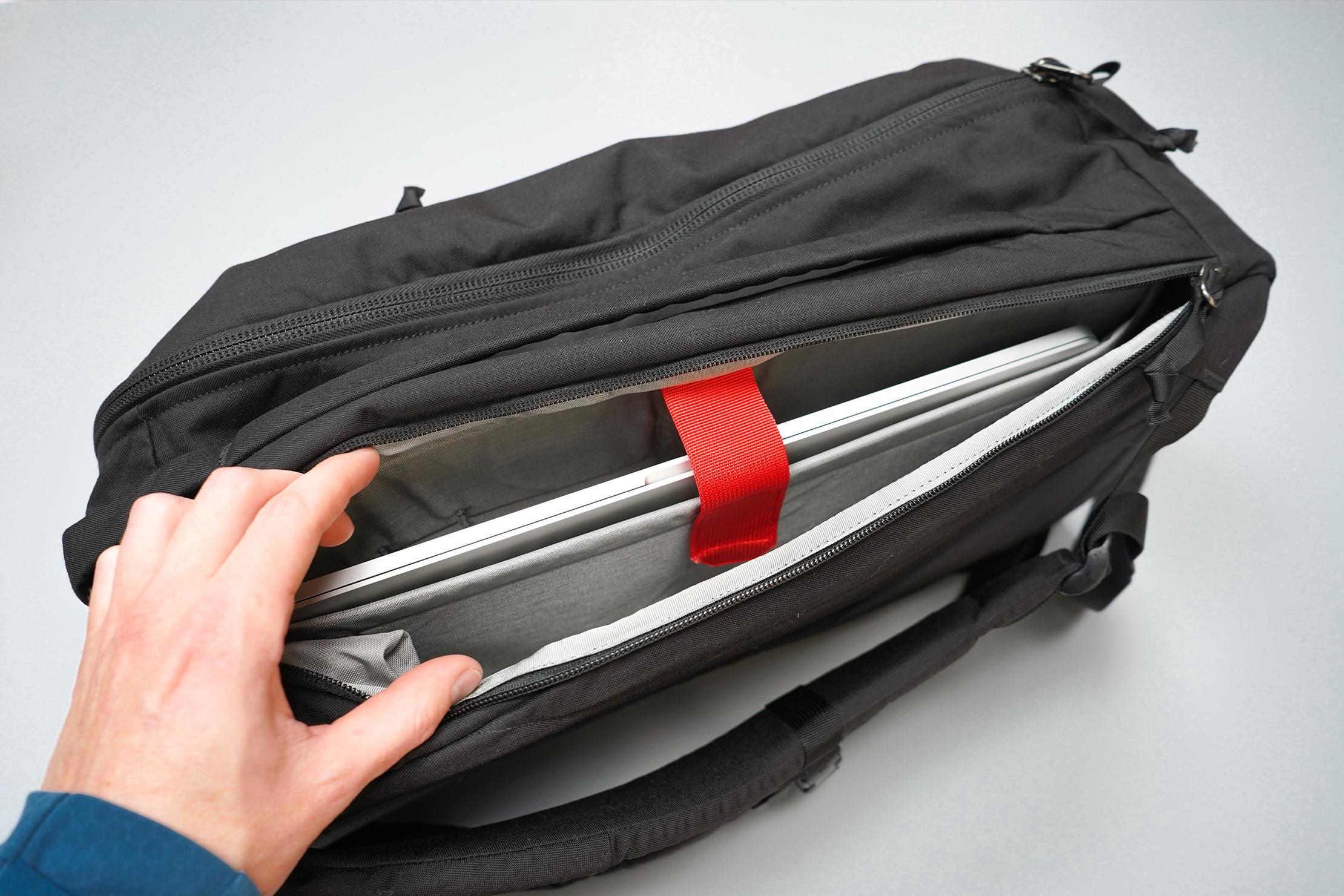 EVERGOODS CPL28 Laptop Compartment