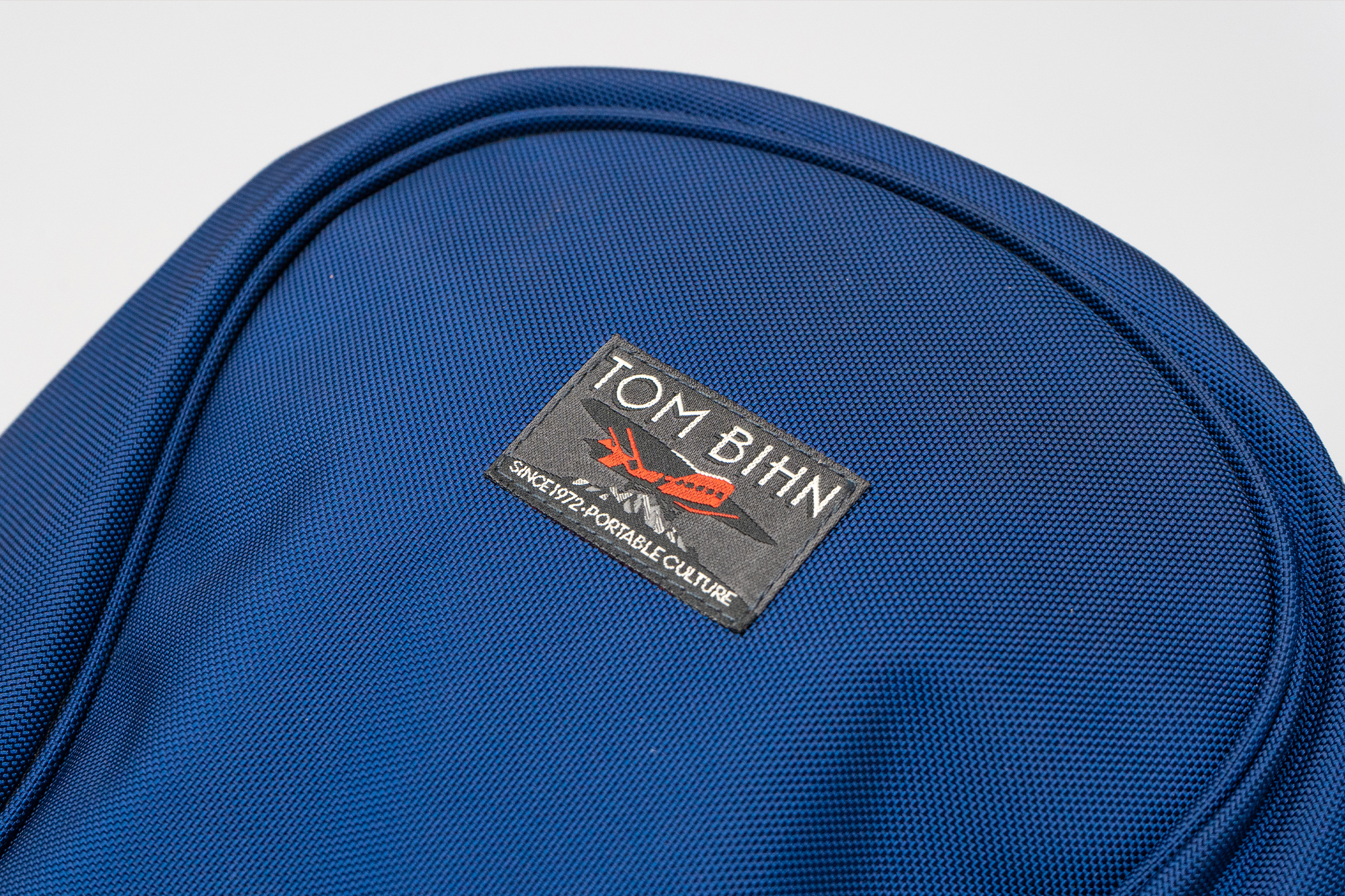 Tom Bihn Luminary 15 logo