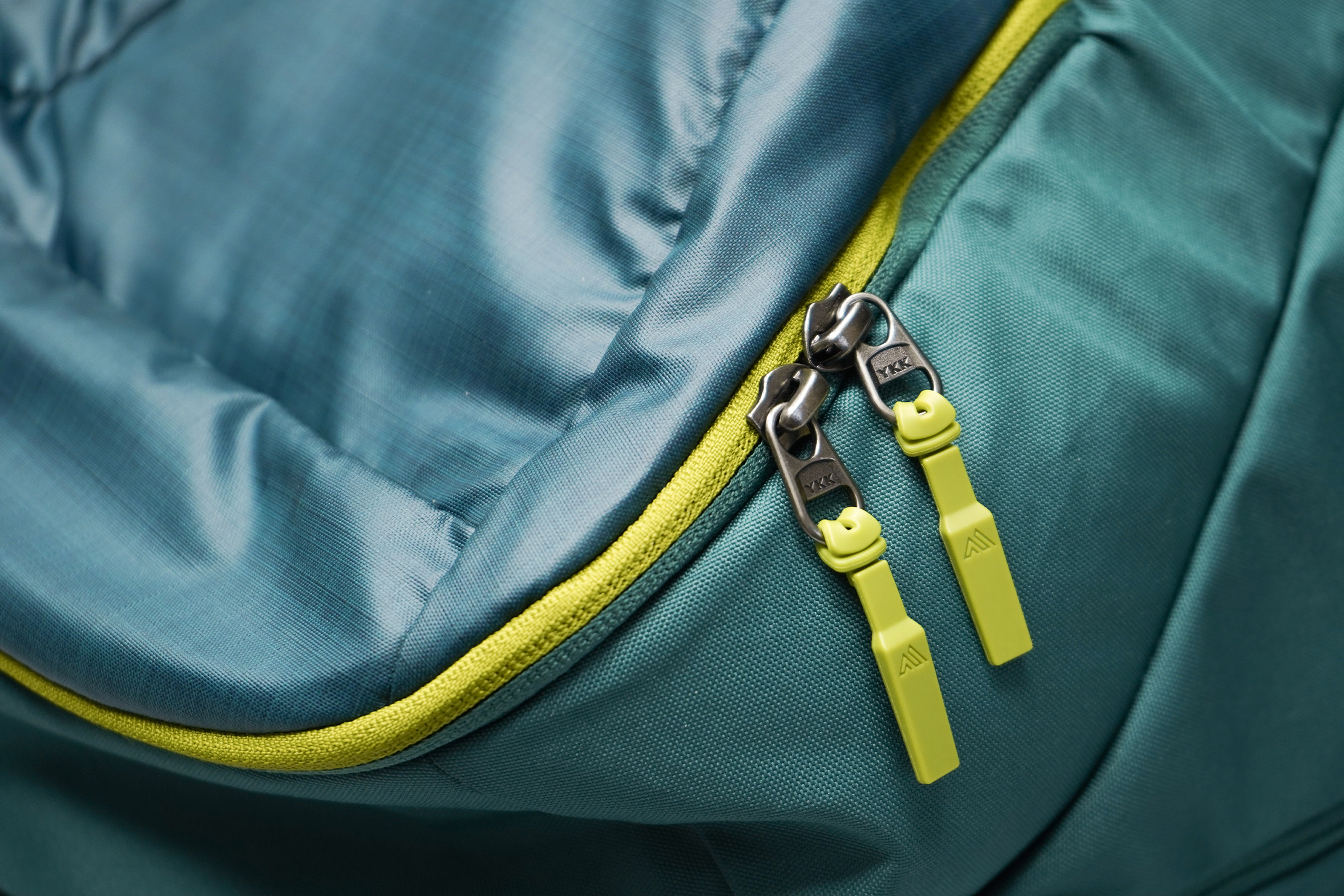 Gregory Resin 26 Backpack Zippers
