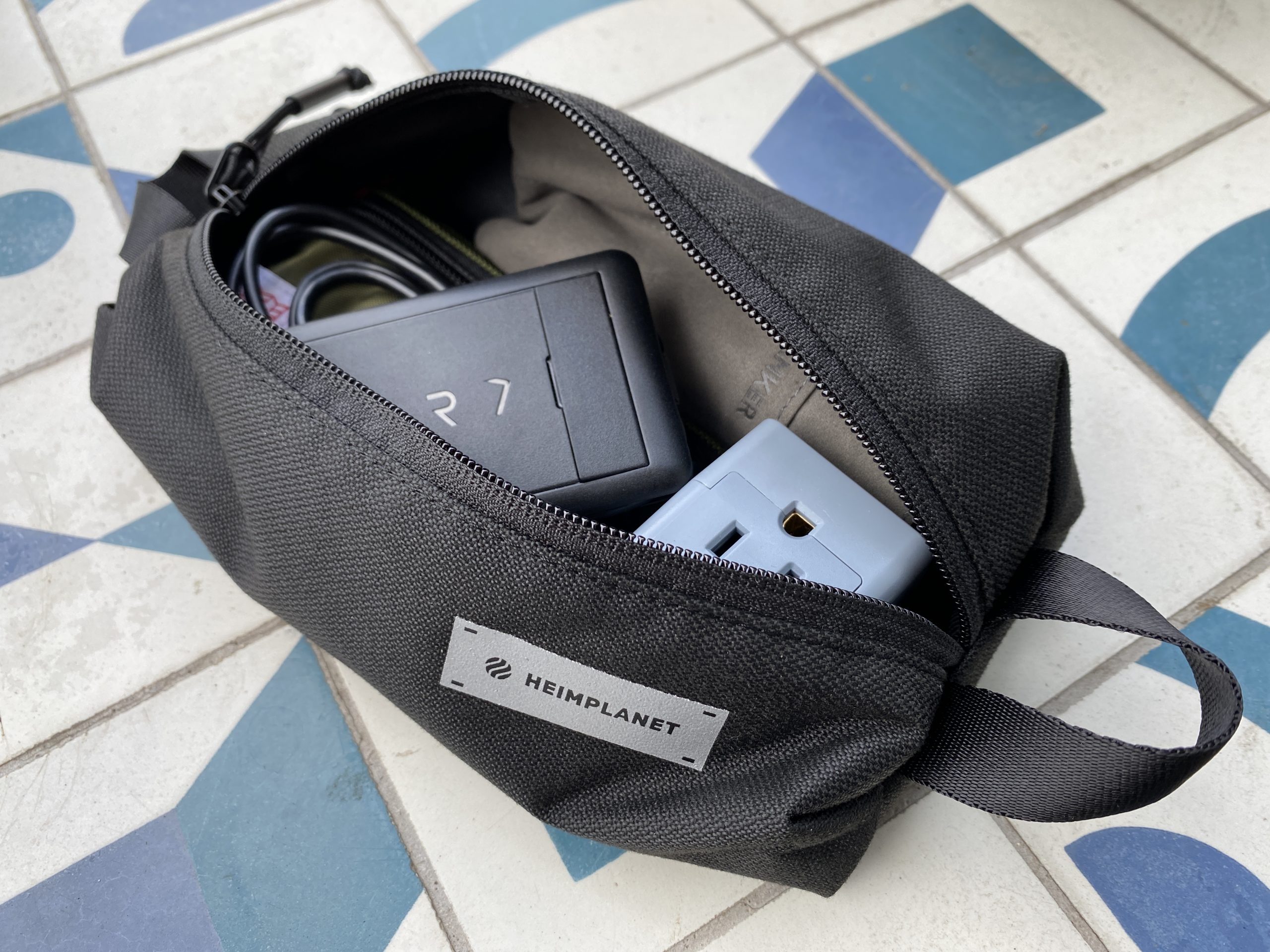 Heimplanet Simple Pouch all packed up with tech items