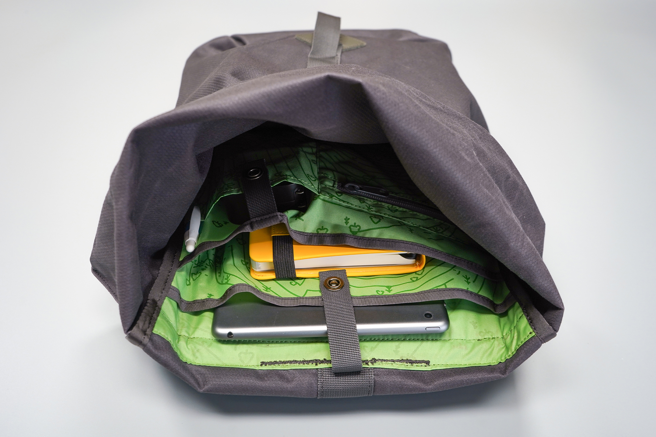 Millican Smith Roll Pack 18L   A look into the cavernous interior