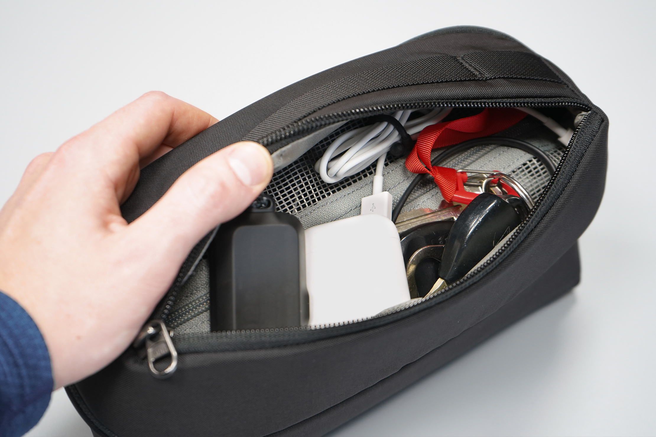 """EVERGOODS Civic Access Pouch 2L 